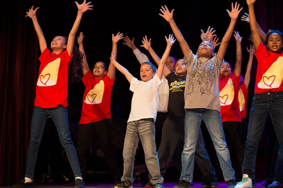 rosies_theater_kids_passing_it_on_event_ceci_new_york_philanthropy_non_profit_children_dance_music_arts_community_give_back_celebrate_new_york_city-2.jpg