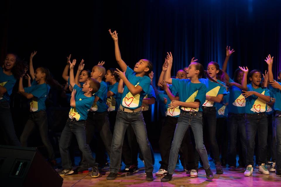 rosies_theater_kids_passing_it_on_event_ceci_new_york_philanthropy_non_profit_children_dance_music_arts_community_give_back_celebrate_new_york_city-4.jpg