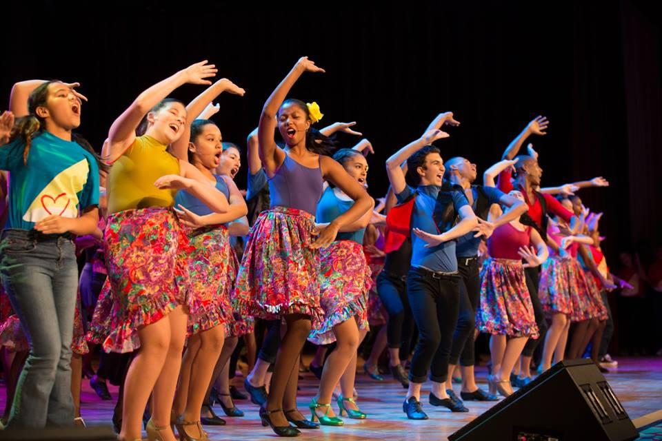 rosies_theater_kids_passing_it_on_event_ceci_new_york_philanthropy_non_profit_children_dance_music_arts_community_give_back_celebrate_new_york_city-10.jpg