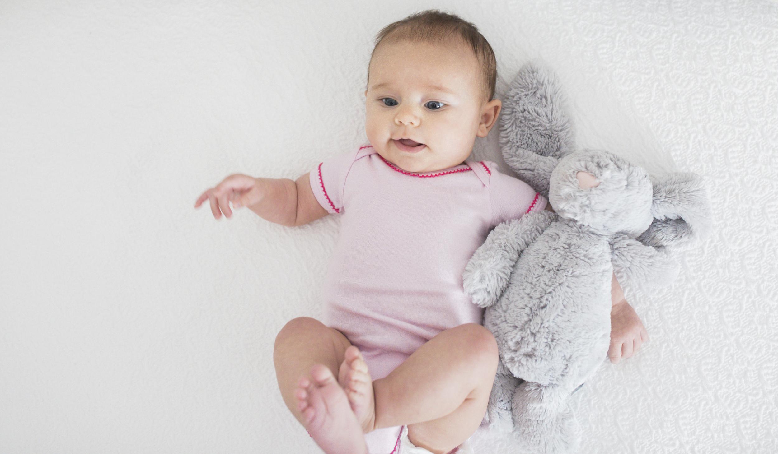 Ceci_Johnson_Welcome_Baby_Elle_Hazel_Johnson_kid_Ana_Schechter_newborn_photography_8.jpg