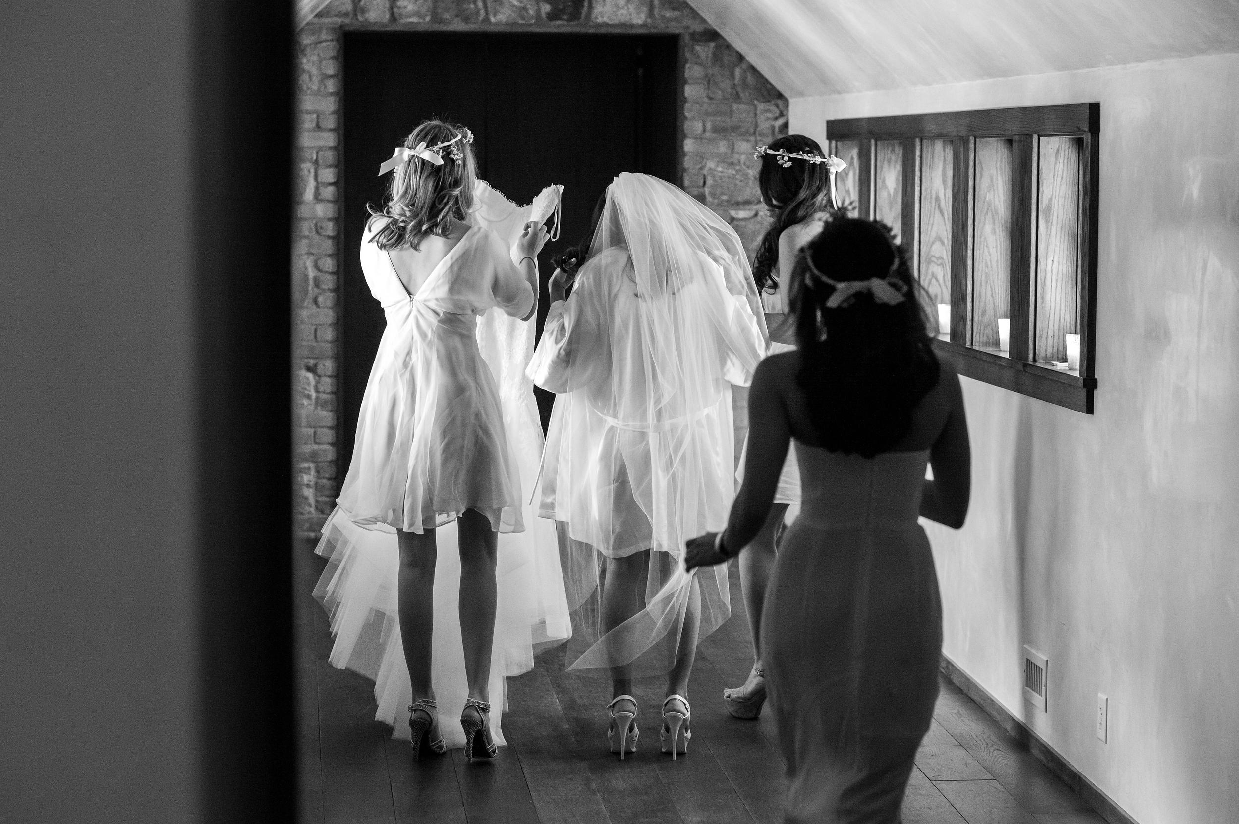 Ceci_New_York_Bride_Wedding_Blue_Hill_7.jpg