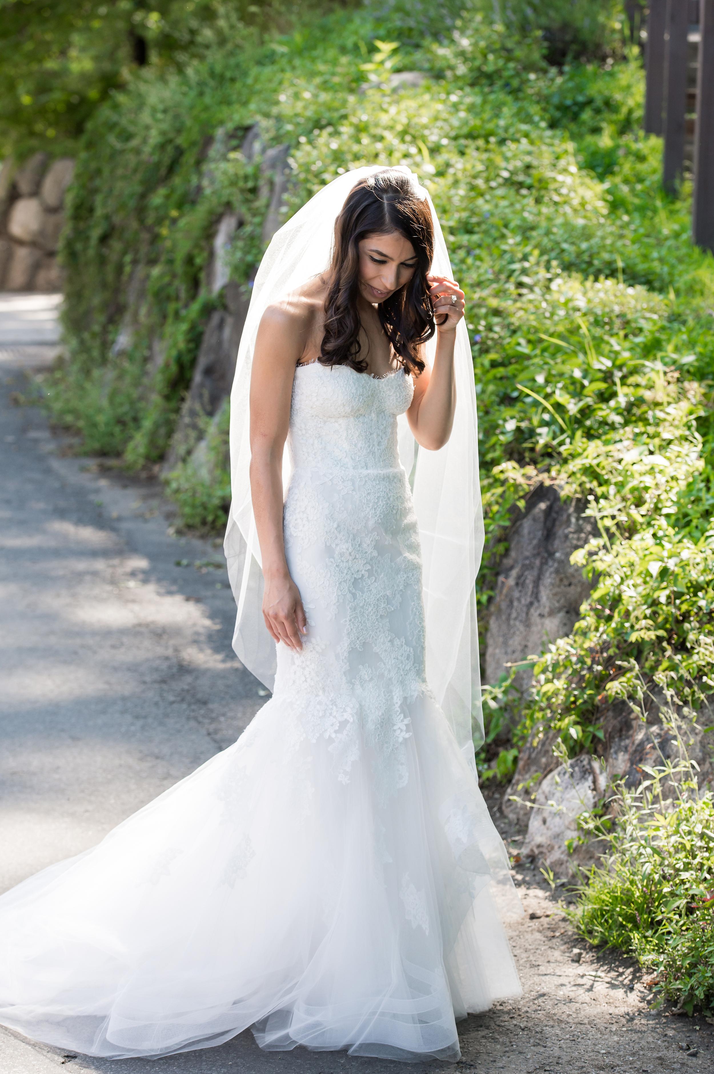 Ceci_New_York_Bride_Wedding_Blue_Hill_11.jpg