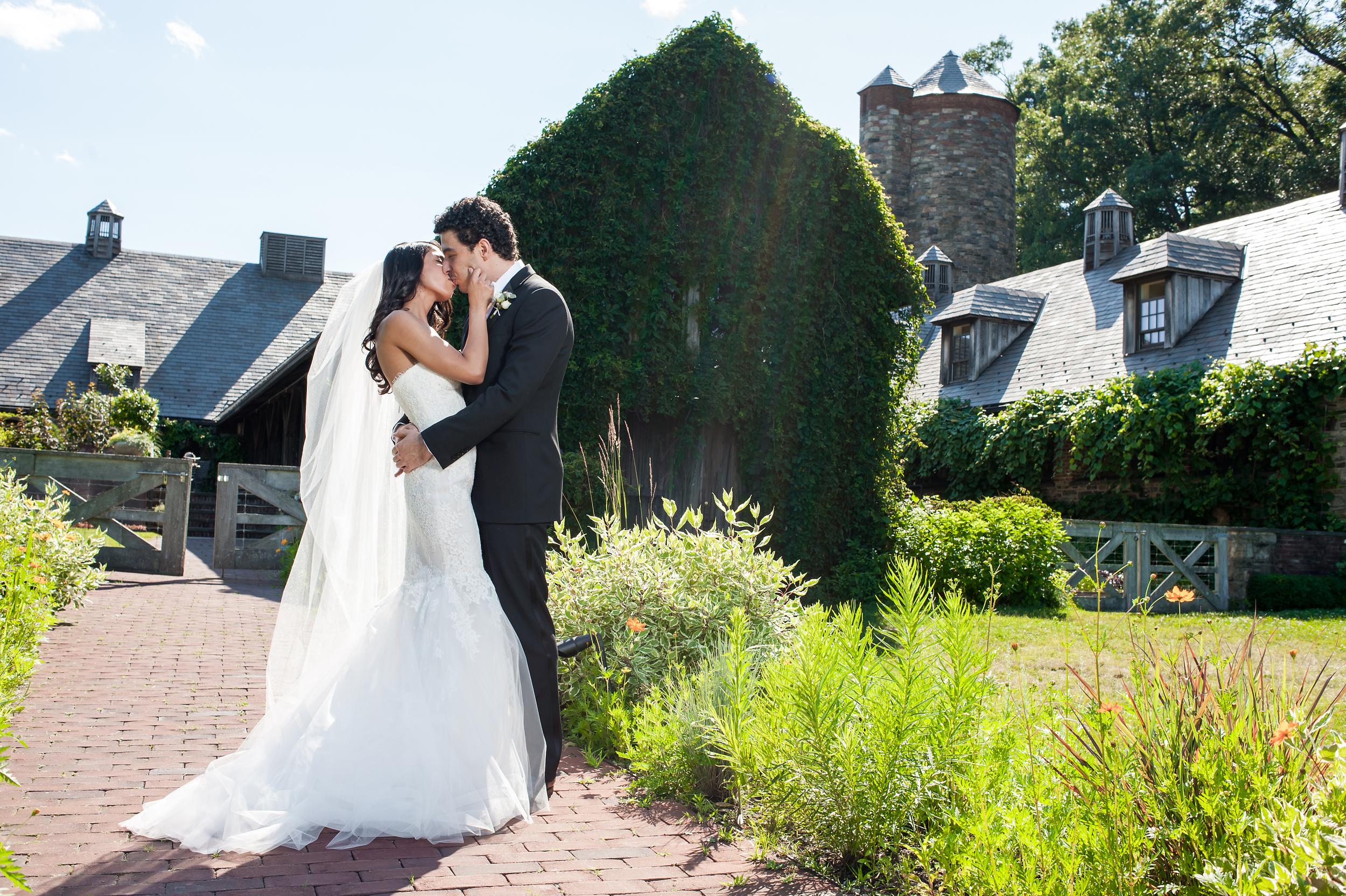 Ceci_New_York_Bride_Wedding_Blue_Hill_14.jpg