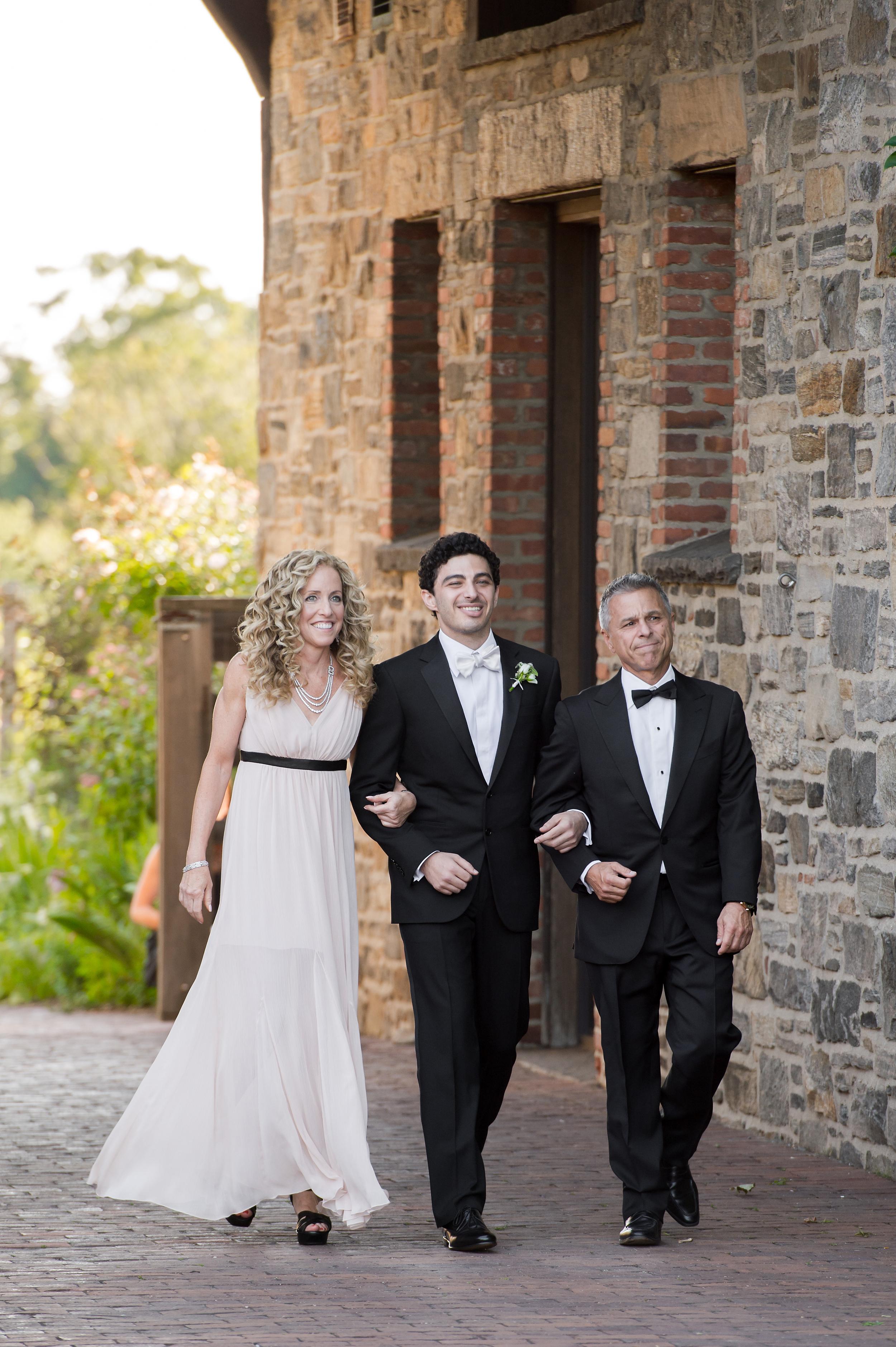 Ceci_New_York_Bride_Wedding_Blue_Hill_24.jpg