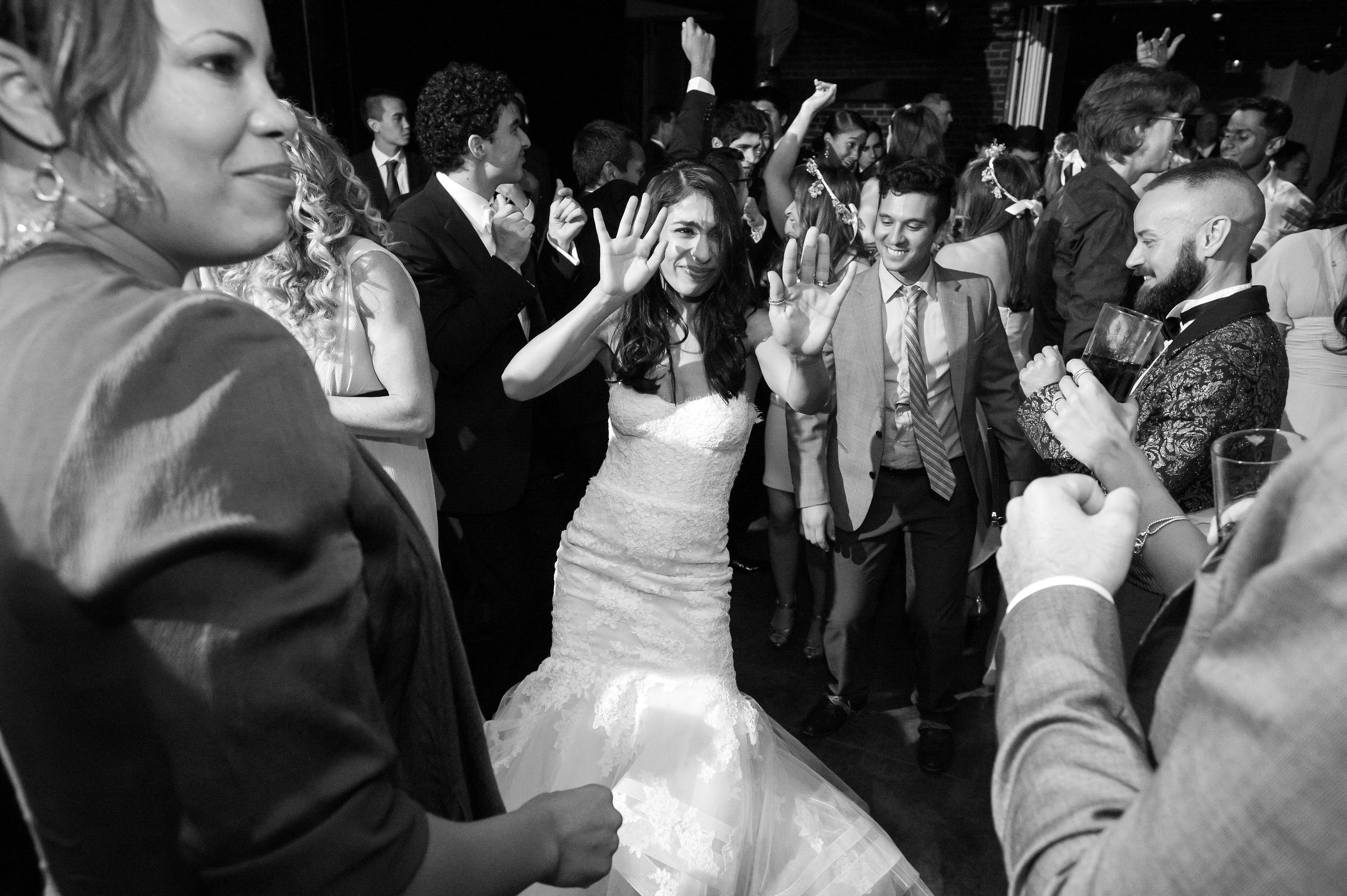 Ceci_New_York_Bride_Wedding_Blue_Hill_46.jpg