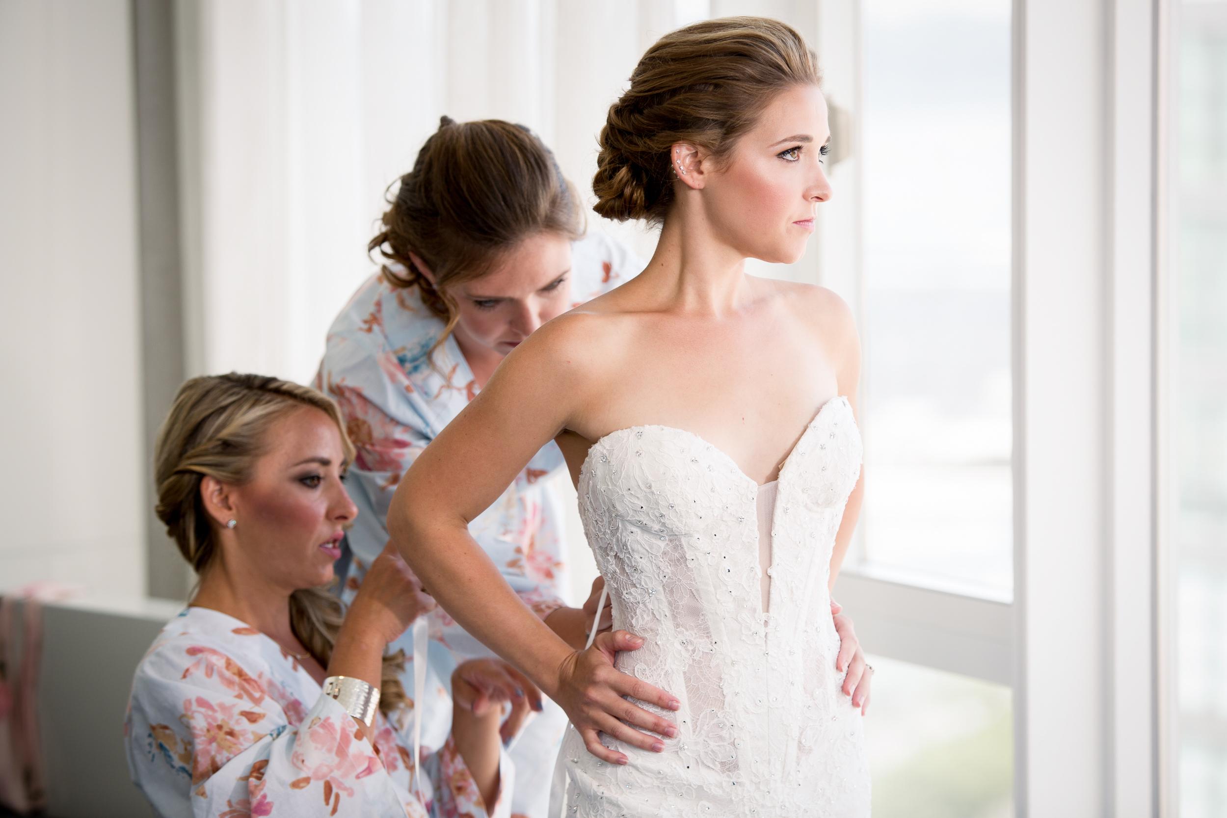 Ceci_New_York_Style_Luxury_Custom_Summer_Wedding_CeciBride_Letterpress_NewYork_Foil_Lighthouse_Chelsea_Piers_5.jpg