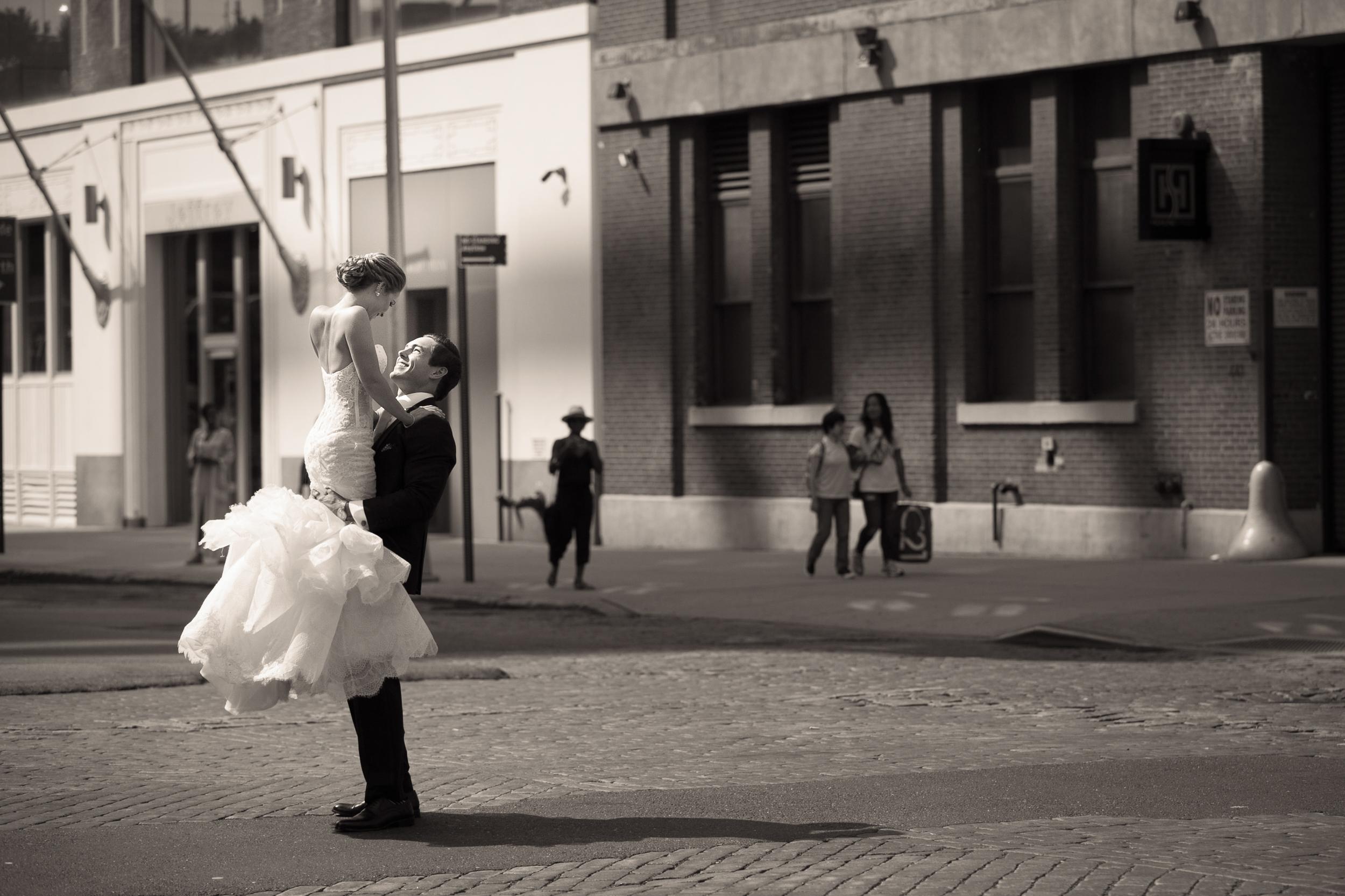Ceci_New_York_Style_Luxury_Custom_Summer_Wedding_CeciBride_Letterpress_NewYork_Foil_Lighthouse_Chelsea_Piers_20.jpg