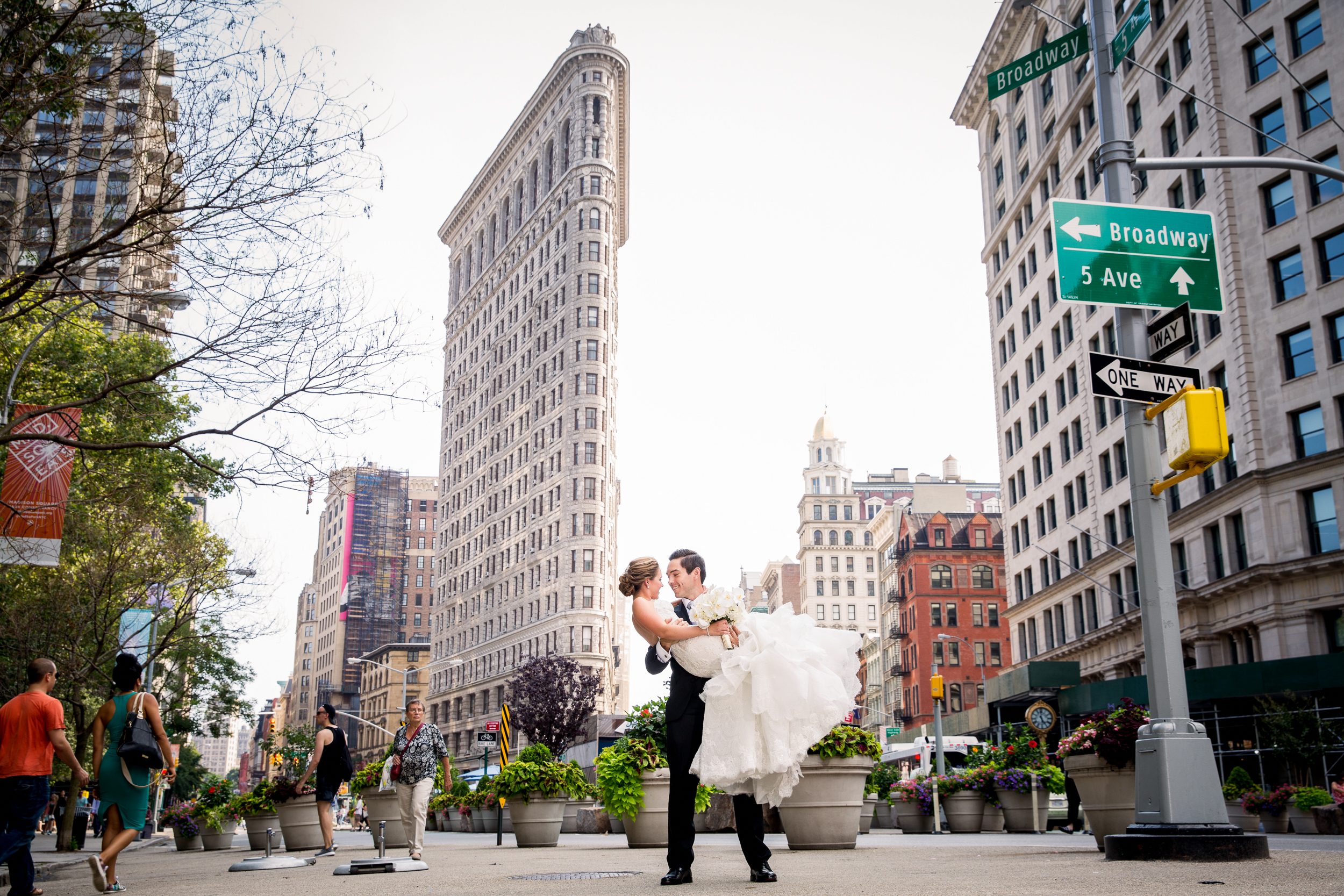 Ceci_New_York_Style_Luxury_Custom_Summer_Wedding_CeciBride_Letterpress_NewYork_Foil_Lighthouse_Chelsea_Piers_26.jpg
