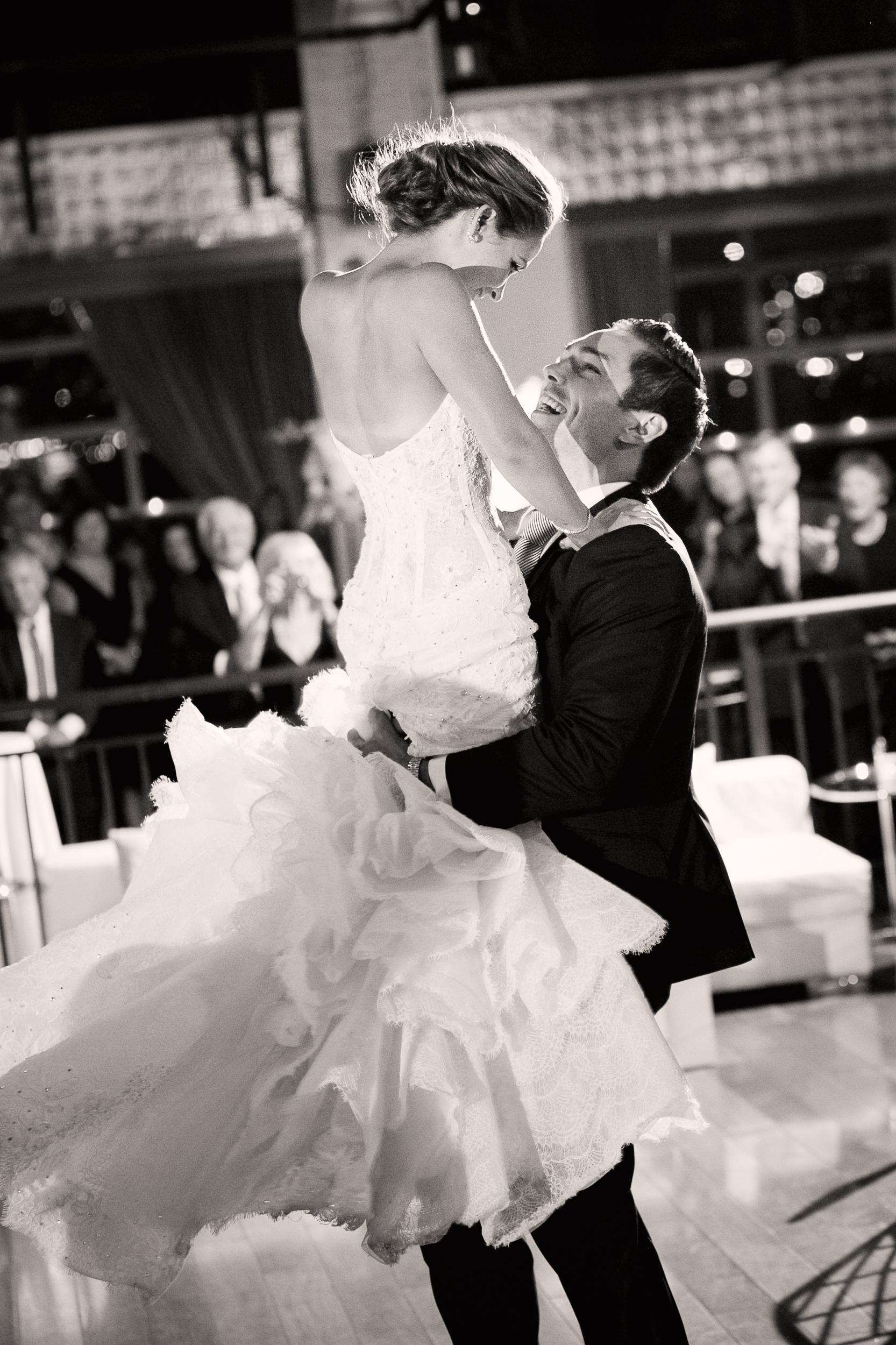 Ceci_New_York_Style_Luxury_Custom_Summer_Wedding_CeciBride_Letterpress_NewYork_Foil_Lighthouse_Chelsea_Piers_72.jpg