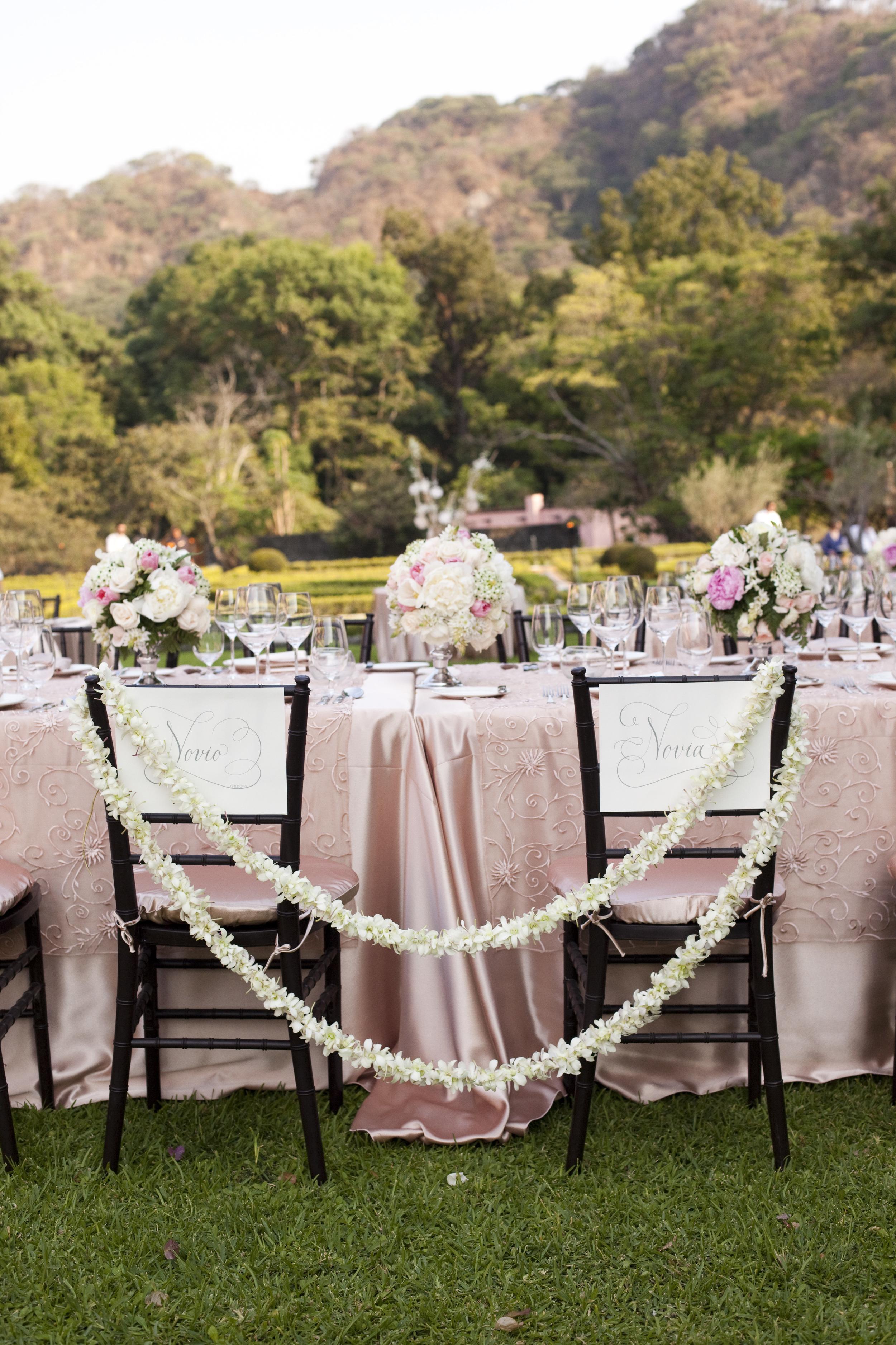 Ceci_New_York_Style_Luxury_Custom_Mexico_Wedding_CeciBride_Letterpress_NewYork_Foil_Hacienda_de_San_Antonio_42.jpg
