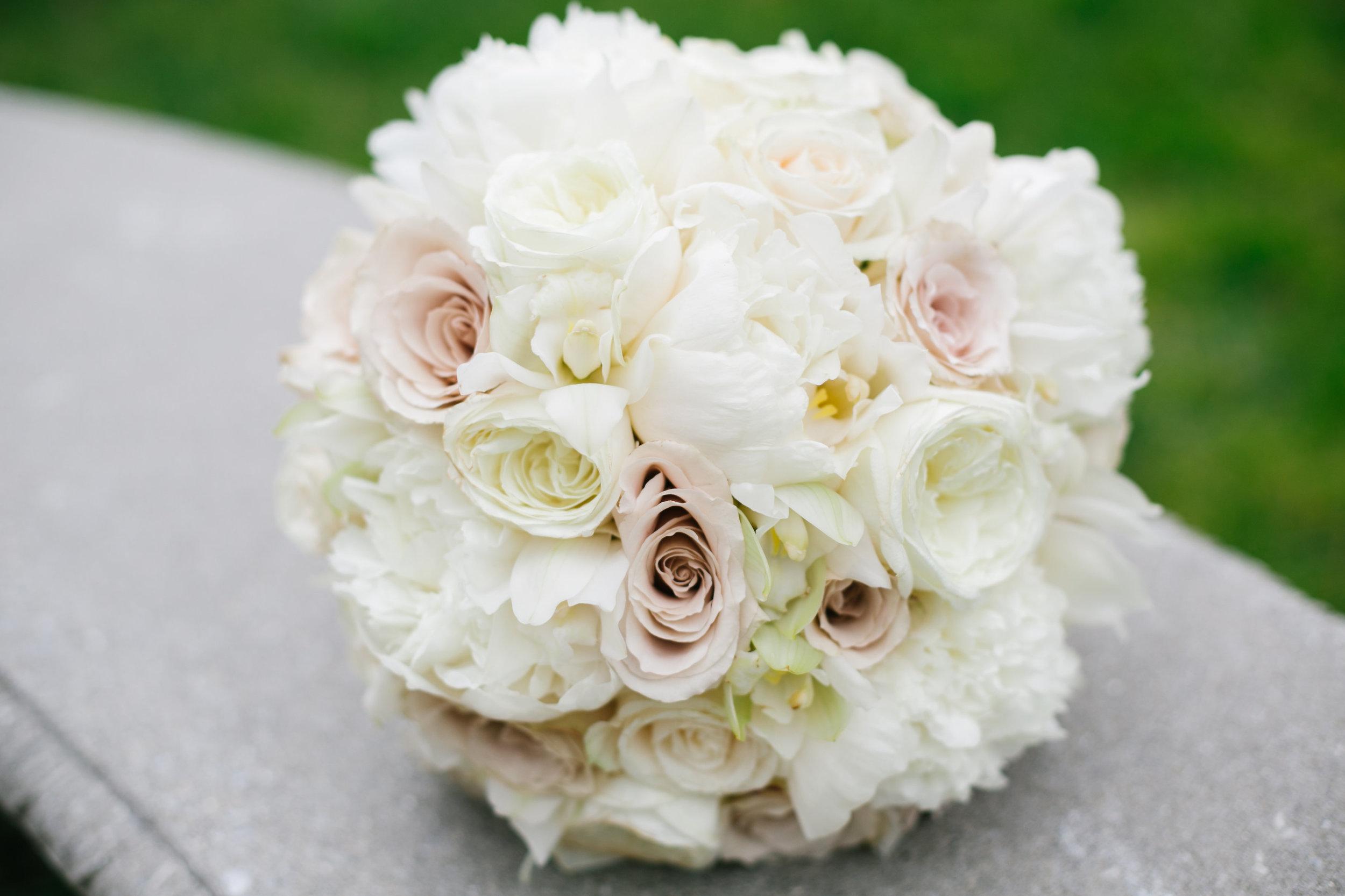 Ceci_New_York_Custom_Invitation_ New_Jersey_Wedding_Luxury_Personalized_Ceci_Style_Bride_Foil_Stamping1.jpg