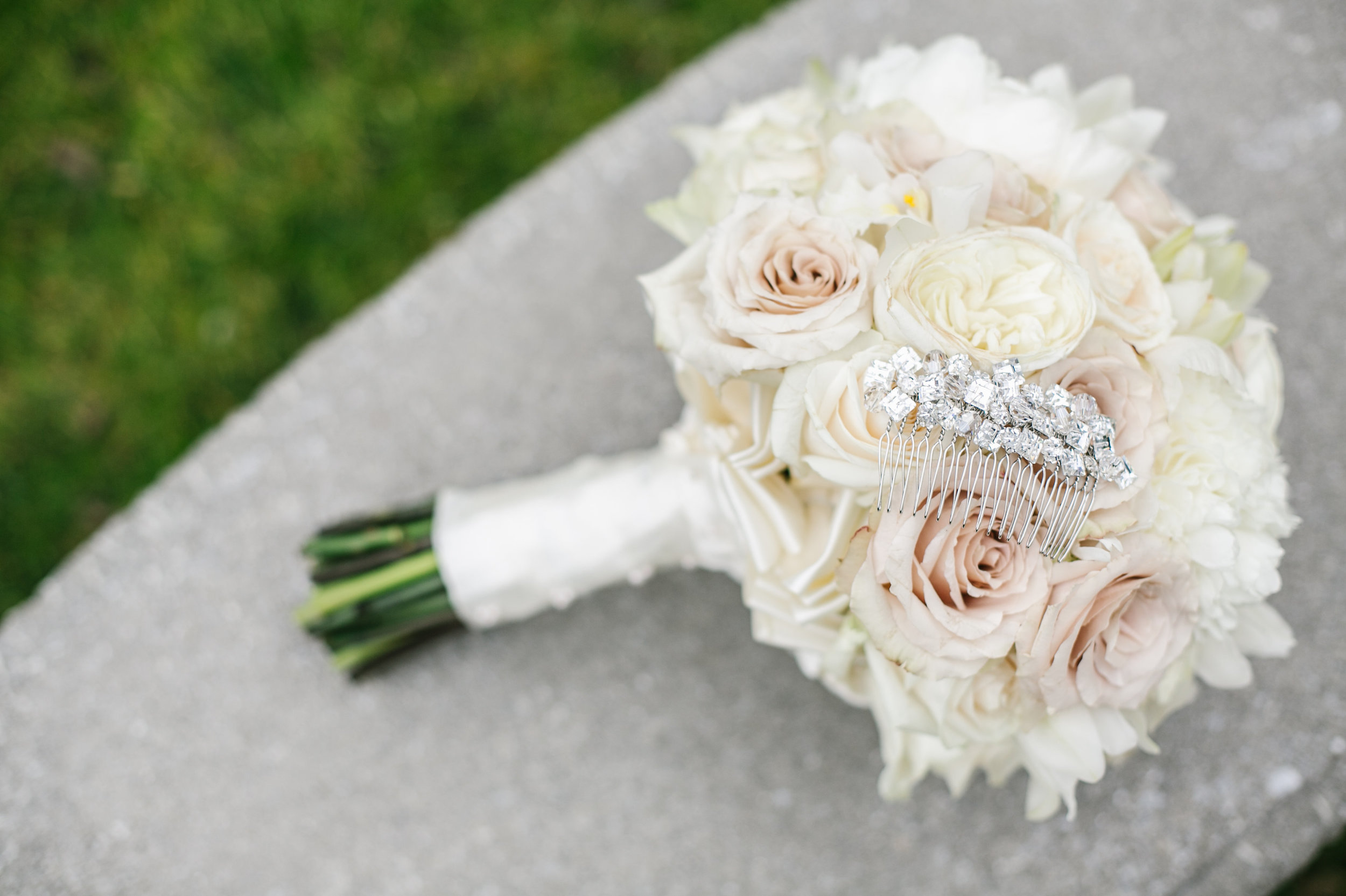 Ceci_New_York_Custom_Invitation_ New_Jersey_Wedding_Luxury_Personalized_Ceci_Style_Bride_Foil_Stamping3.jpg