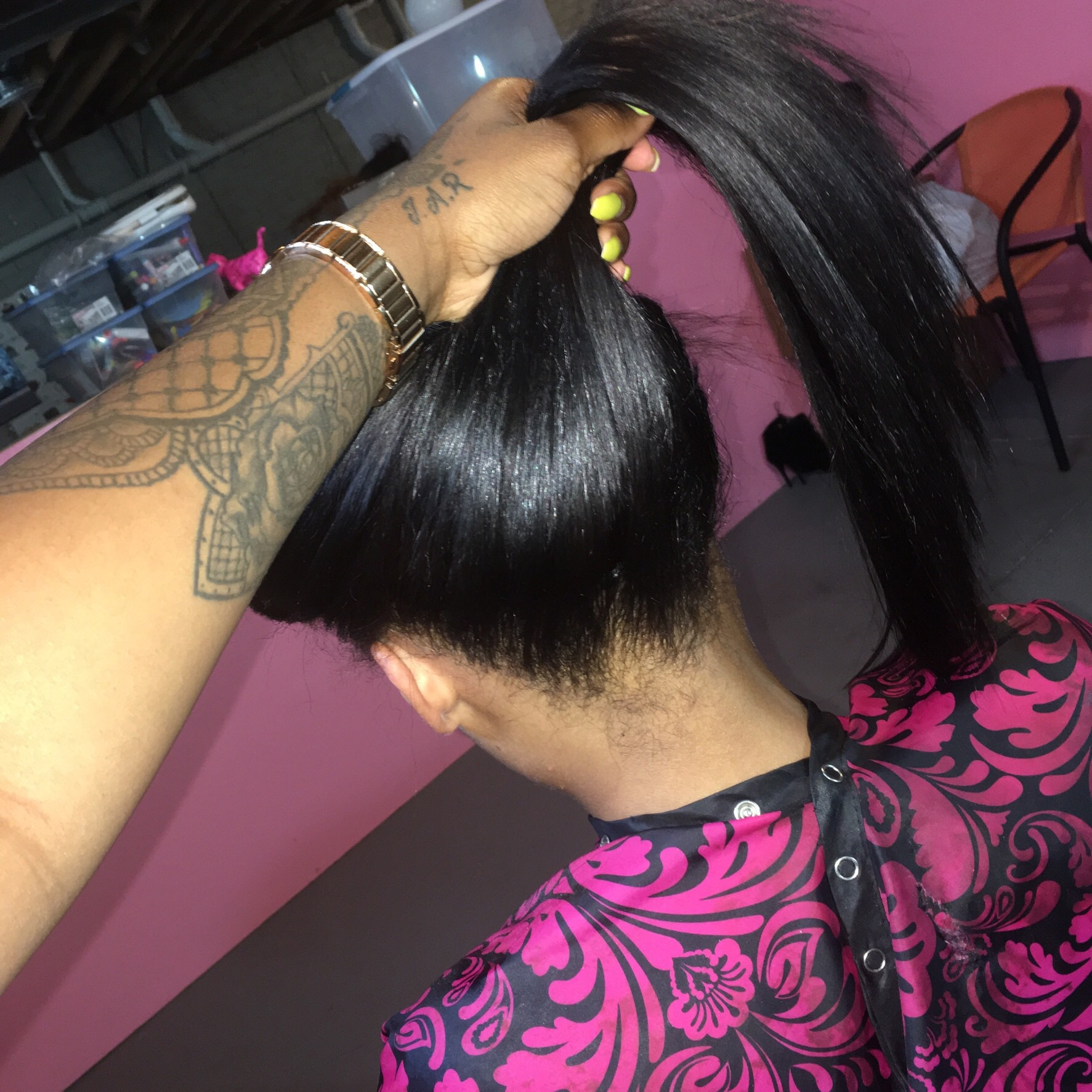 Natural Sewin is wear you leave out 1 or 2 inches around the head and a part of your choice ( longer hair a horse shoe part if you want to part where ever you want). You do not need a relax around the edges if your natural & you can wear a high ponytail or braids in the front 🤗 BOOK ME UPGRADEYOUHAIR NOW! Hair is in stock 16-26 inches and closures for full sewins .