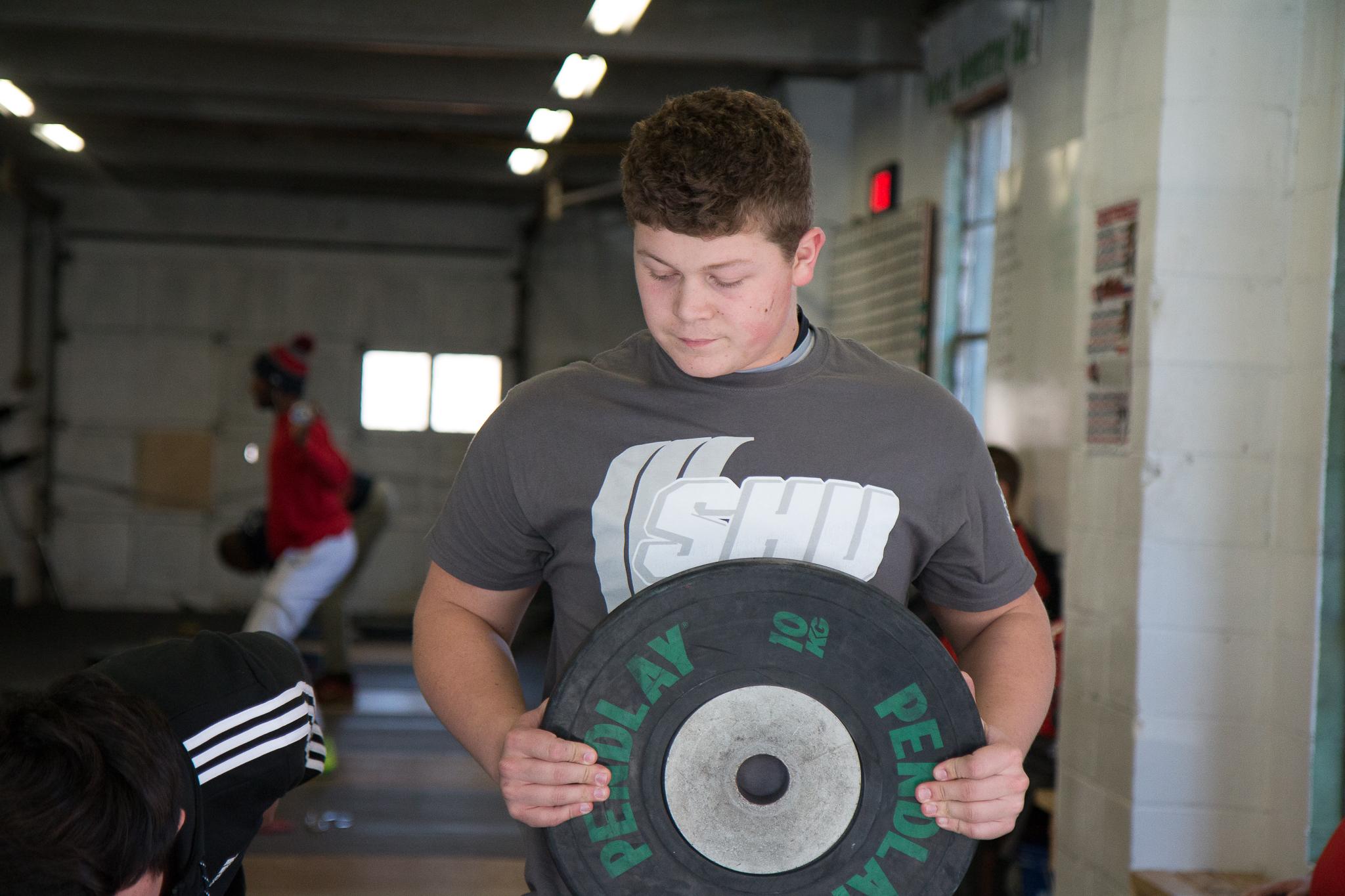 men-warwick-new-york-intrepid-strength-conditioning-winter-open-weightlifting-meet-weightlifting-photography (1 of 24).jpg