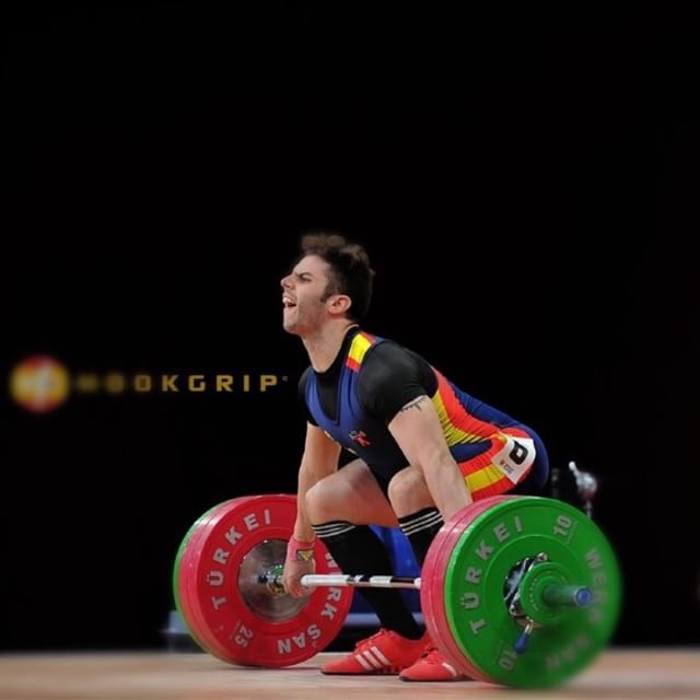 gonzalez-olympic-weightlifter-spain-weightlifting-chalk-photo-by-nat-hookgrip-spain-team-interview-by-everyday-lifters.JPG