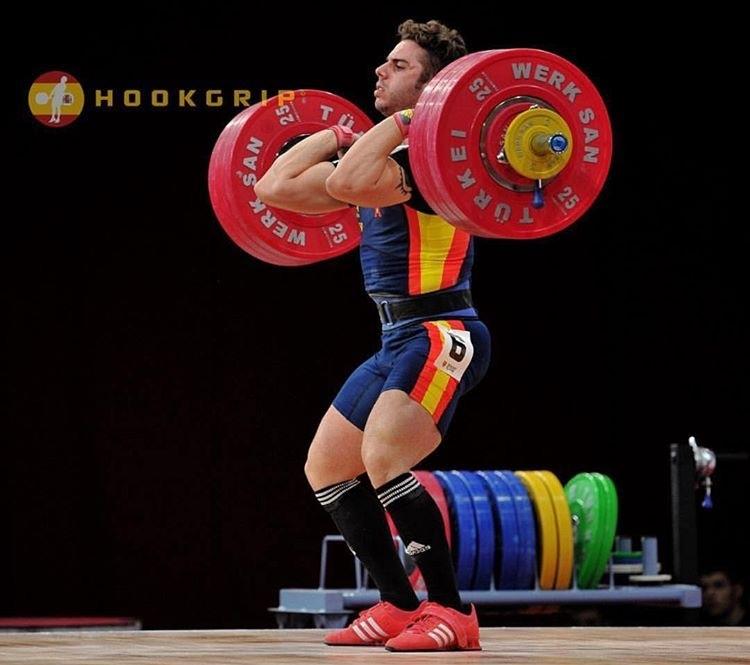 gonzalez-olympic-weightlifter-spain-weightlifting-chalk-photo-by-nat-hookgrip-clean-jerk.JPG