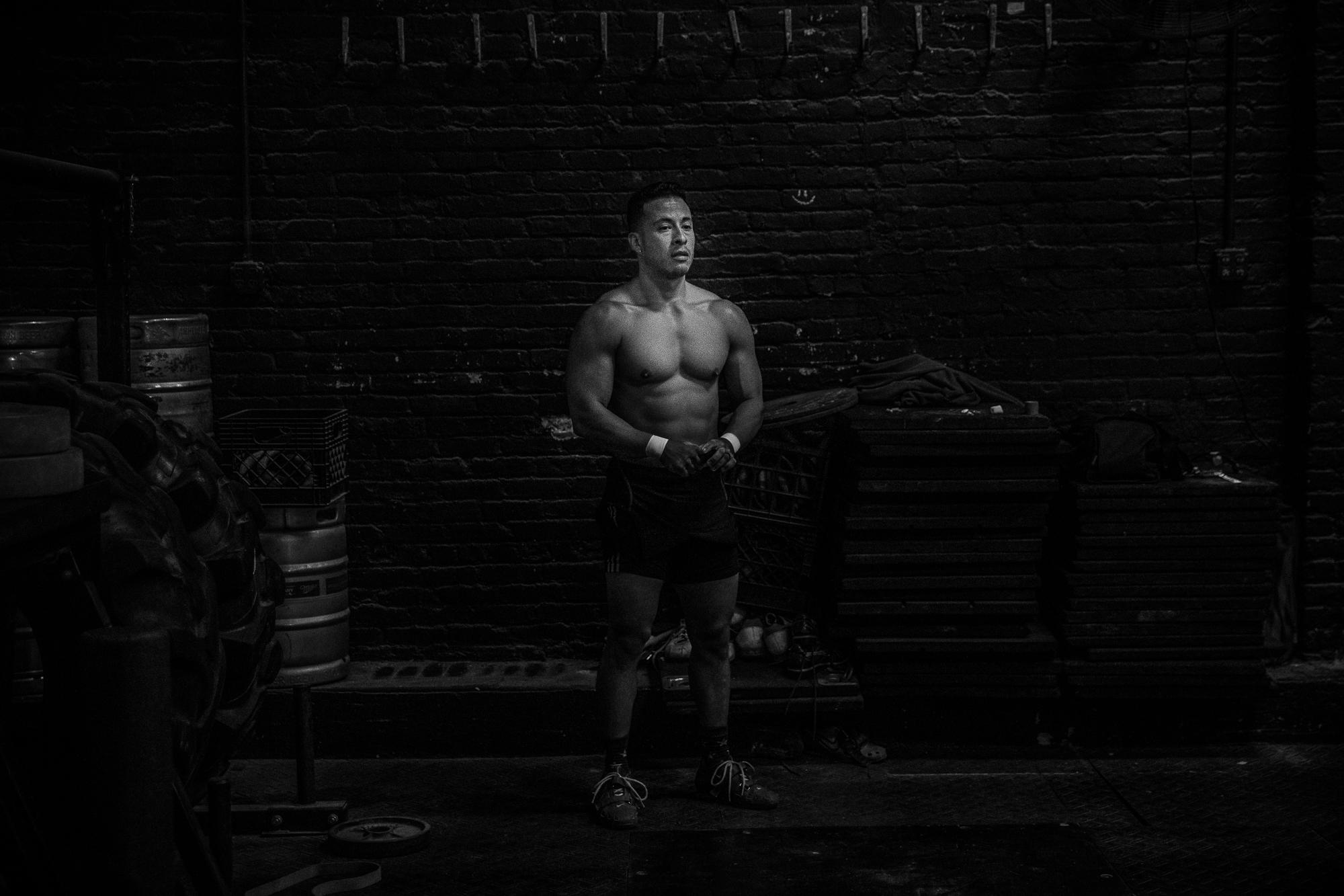 weightlifting-photos-by-viviana-podhaiski-sports-photographer.jpg