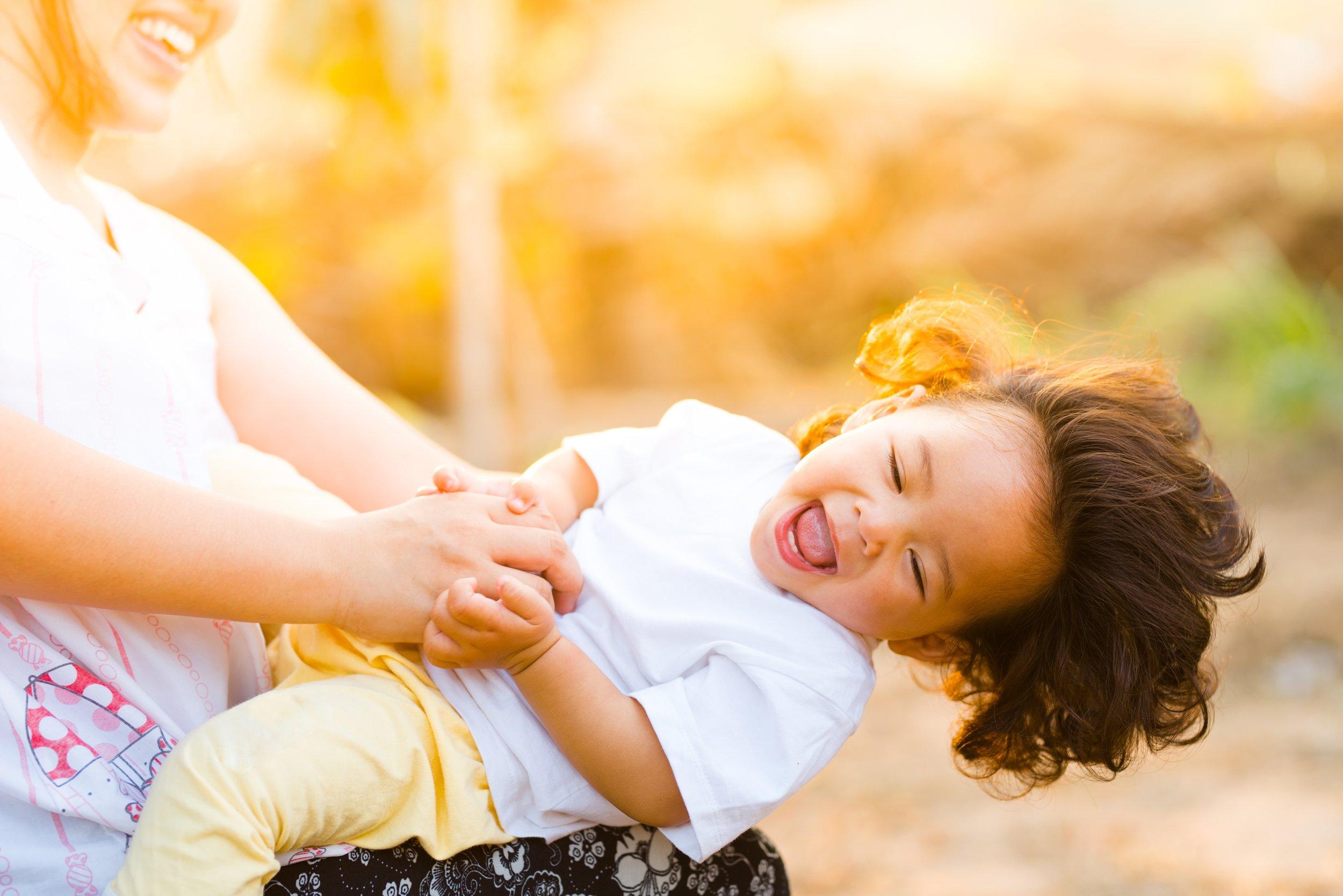 baby-babysitter-babysitting-1116050.jpg