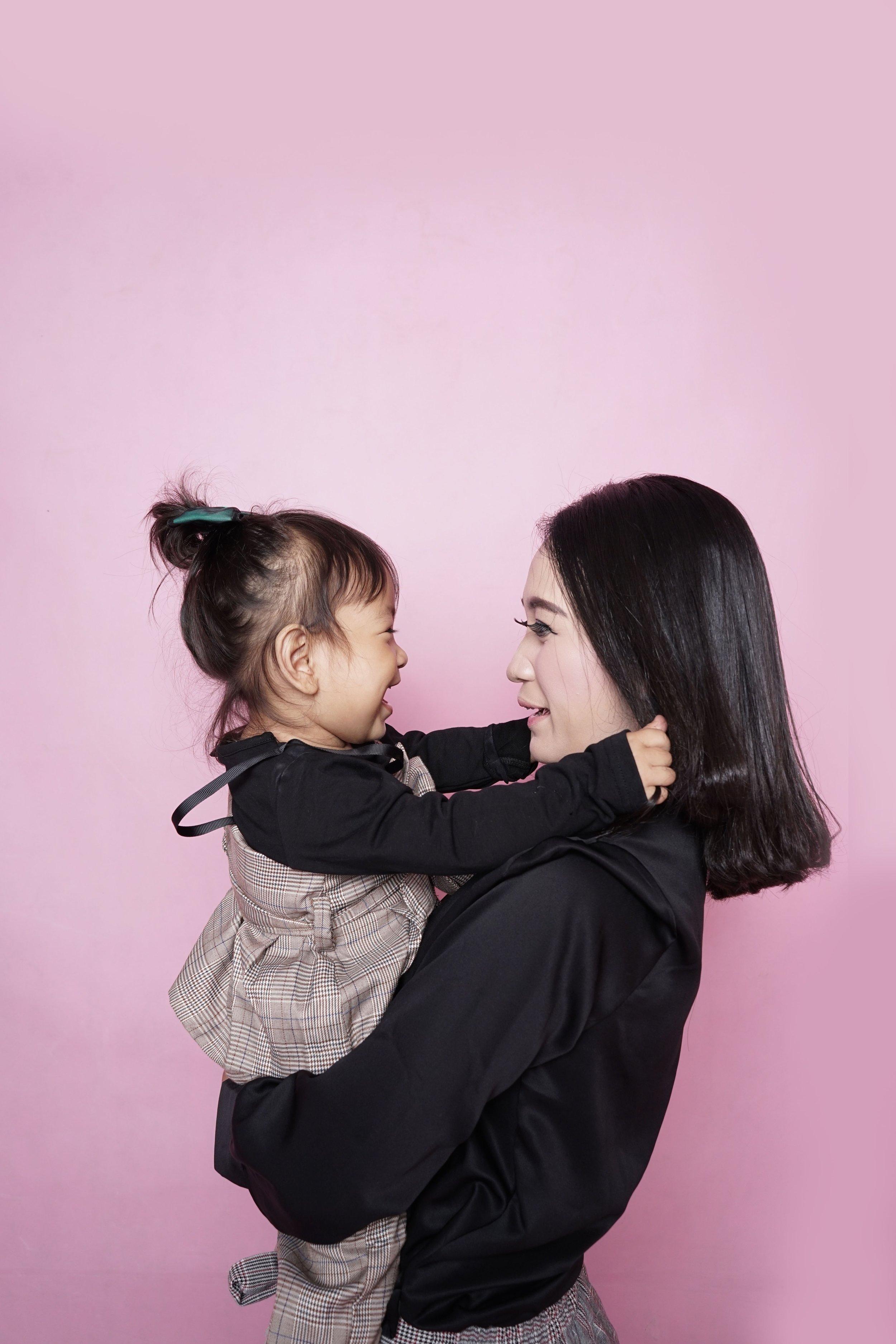baby-child-daughter-1096141.jpg