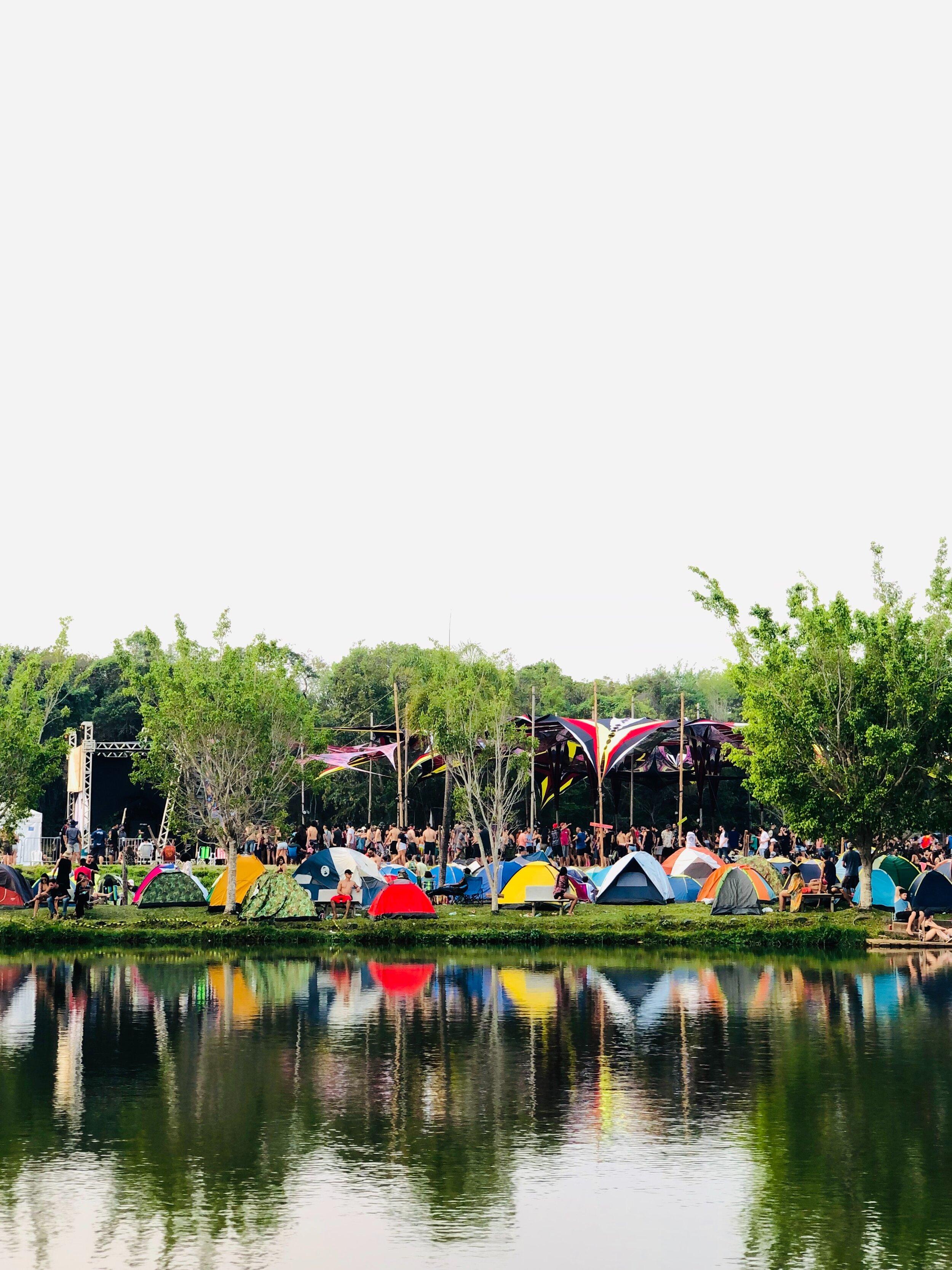 camper-camping-campsite-2820725.jpg