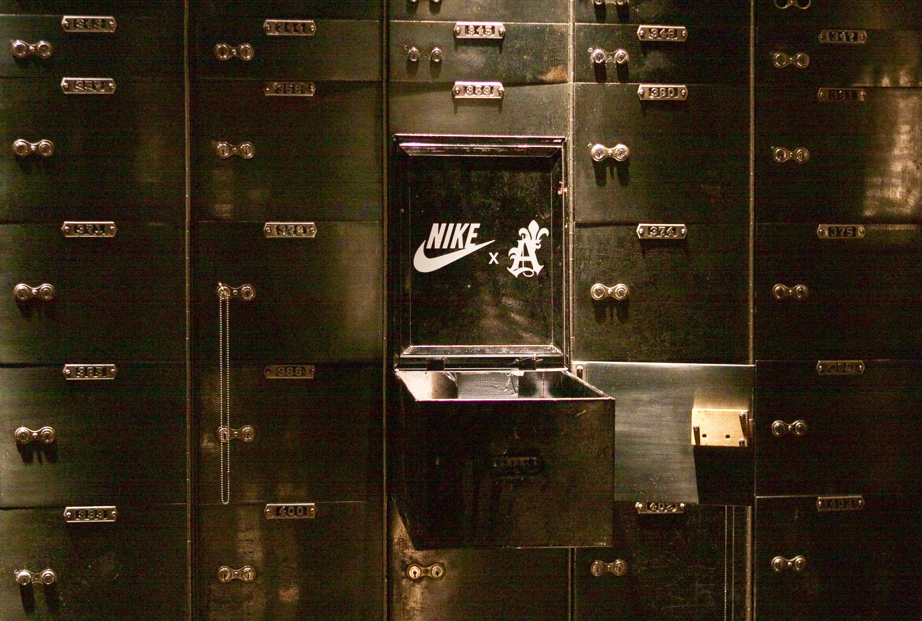 Nike_NoelStateBank_14.jpg