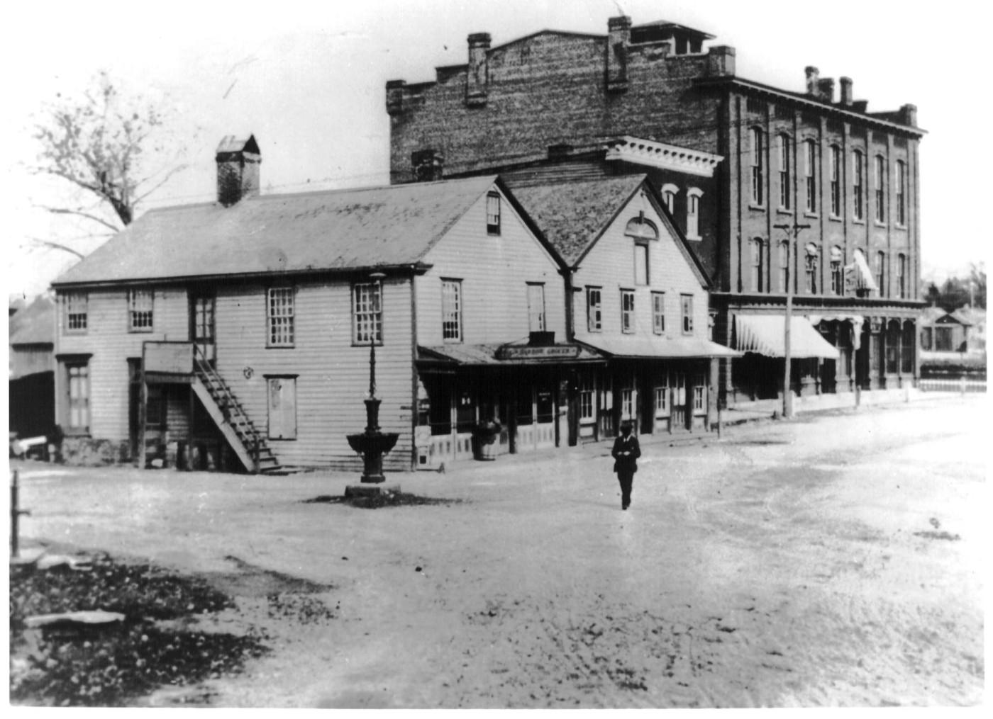 1900s-west-state-st-corner-of-riverside1.jpg