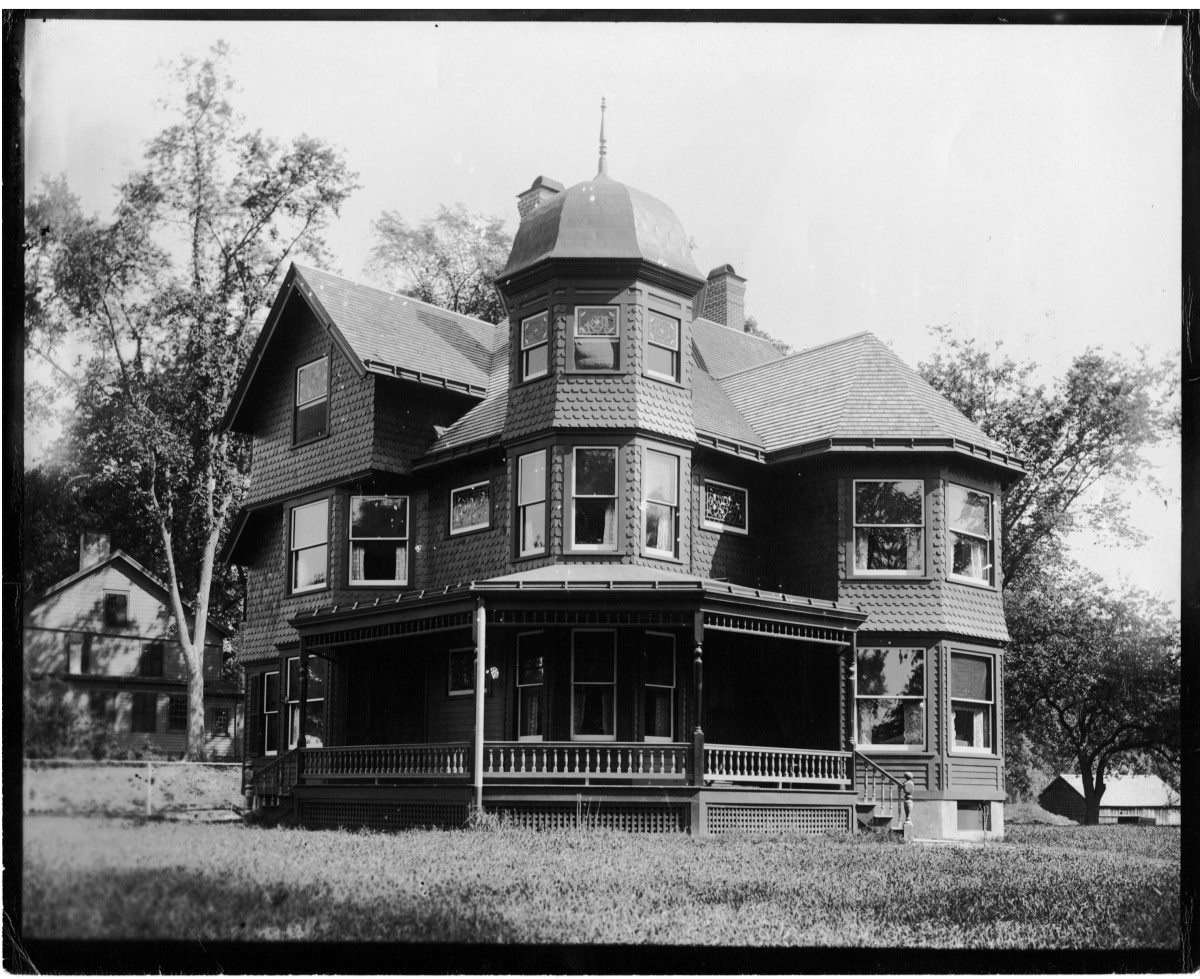 1900-gunn-house1.jpg