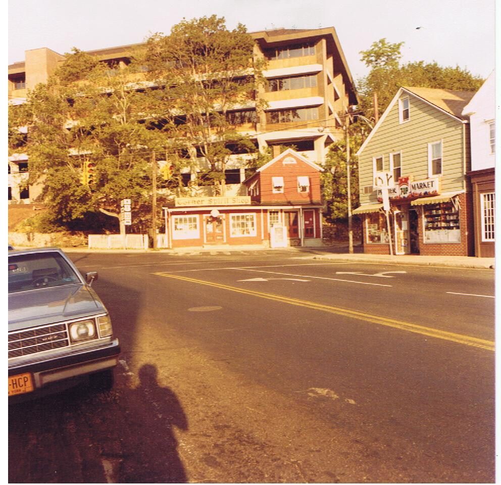 1970-80-corner-spirit-store1.jpg