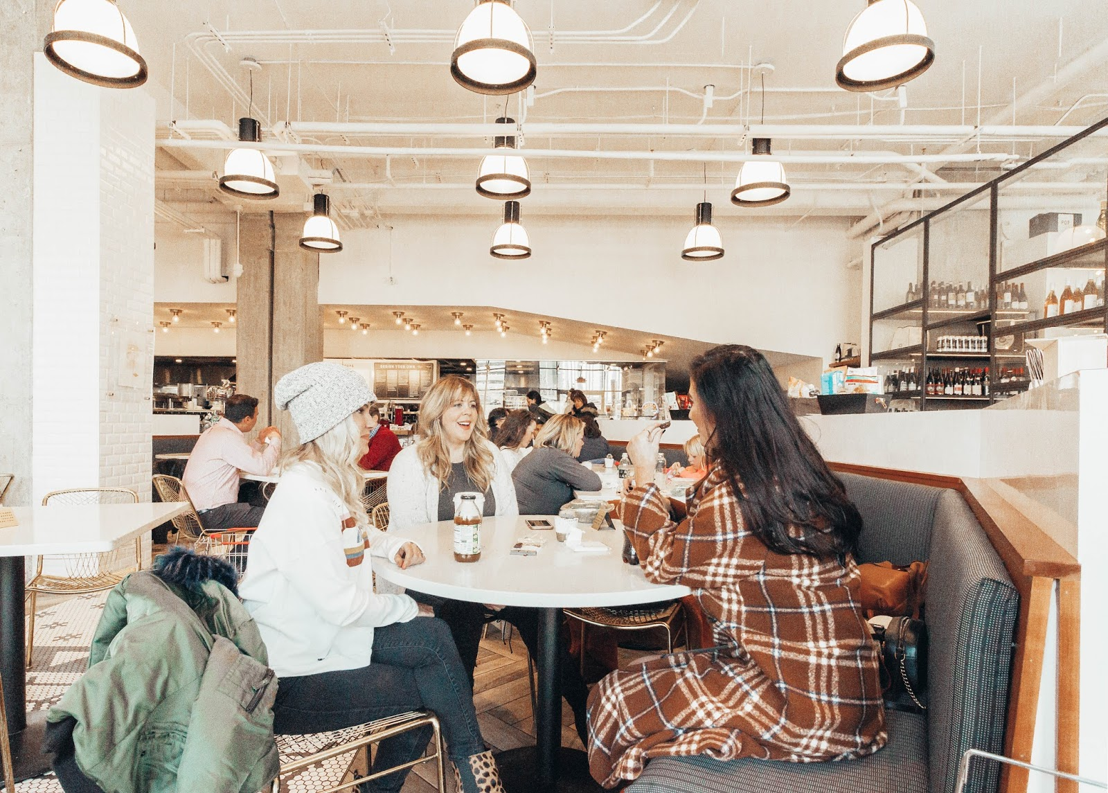 Aerston Staycation Nashville Galentines Eating at Caviar & Bananas.jpg