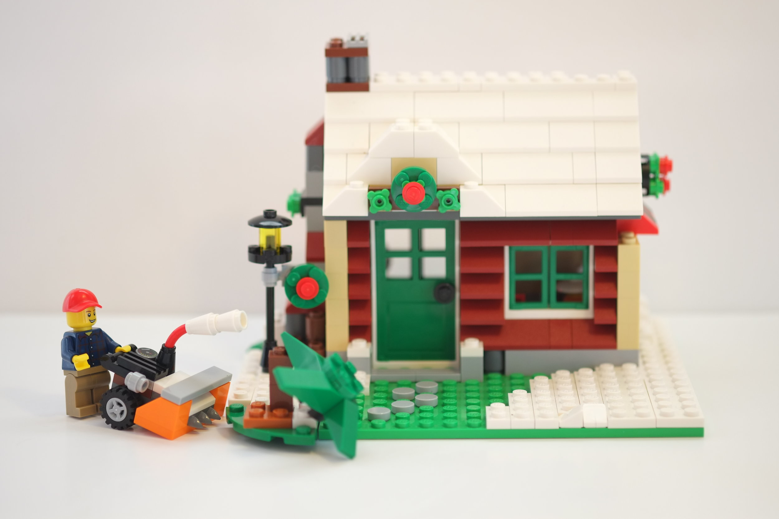 One of Heistheway's hundreds of photos for the stop-motion LEGO contest