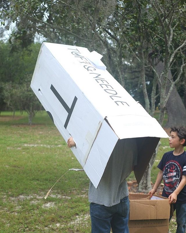 He did a great job creating one of our mattress boxes into a solar eclipse viewer! 😊👍#solareclipse2017 #home @tuftandneedle