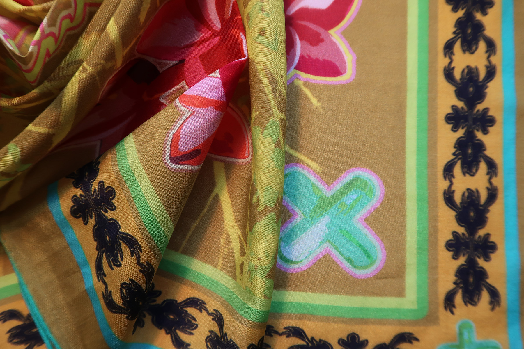 #17.bandana-branch-green-dtl.2.jpg