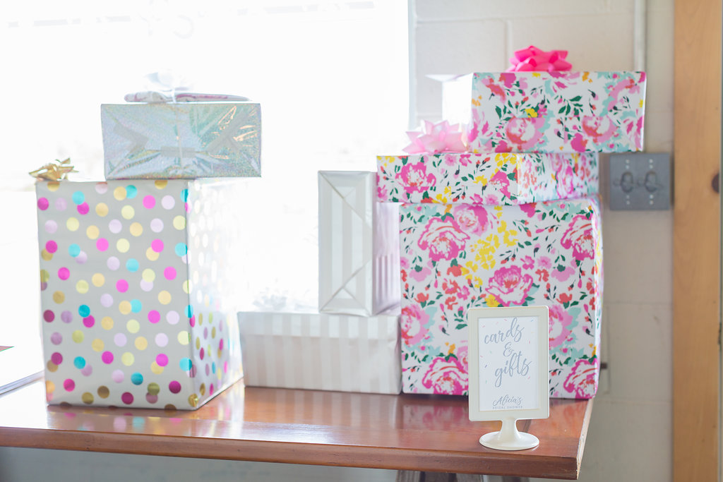 Gift And Favor Room