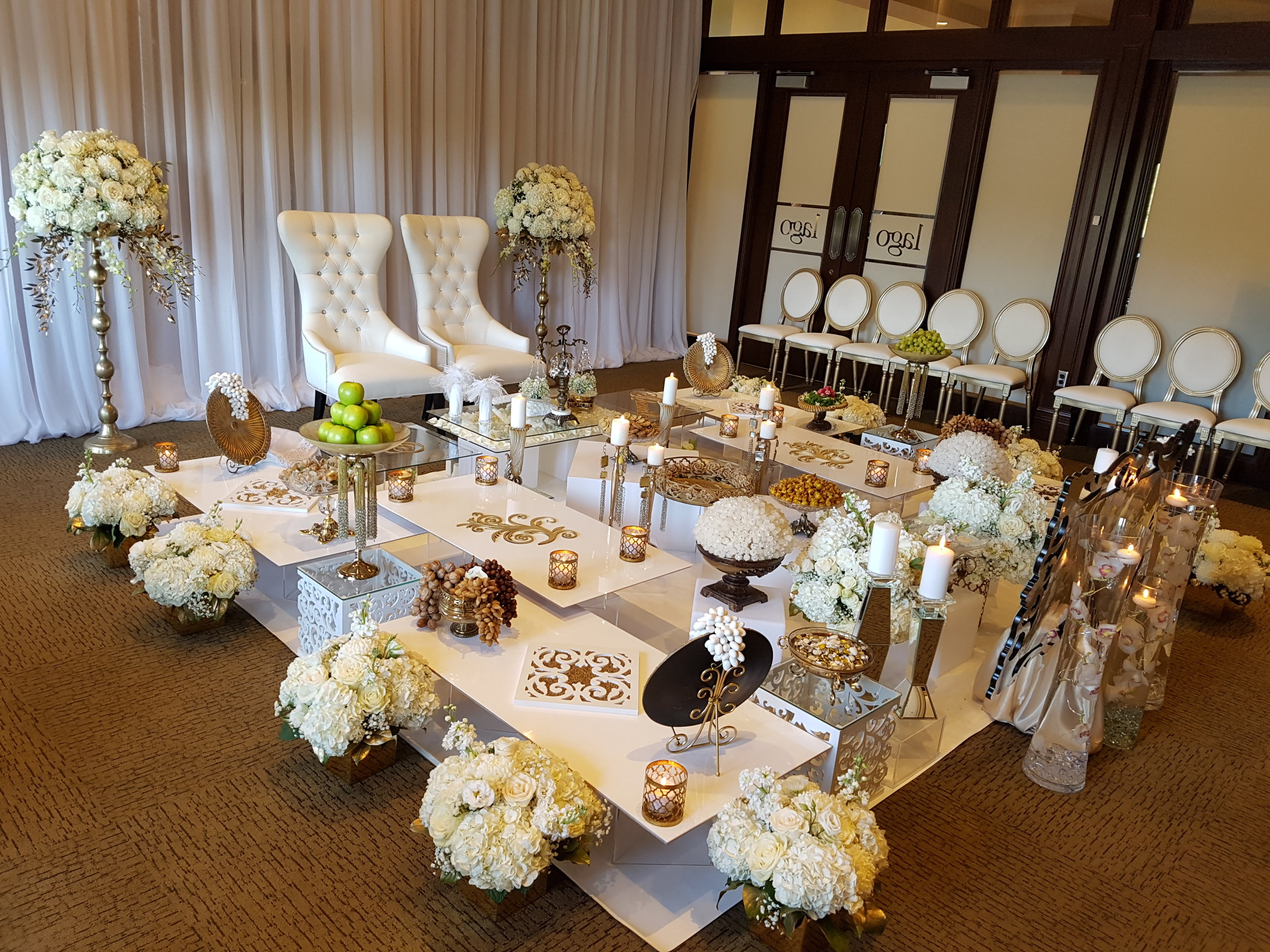 Antique Sofreh set up in Eagles Nest Golf Club in Maple-Ontario