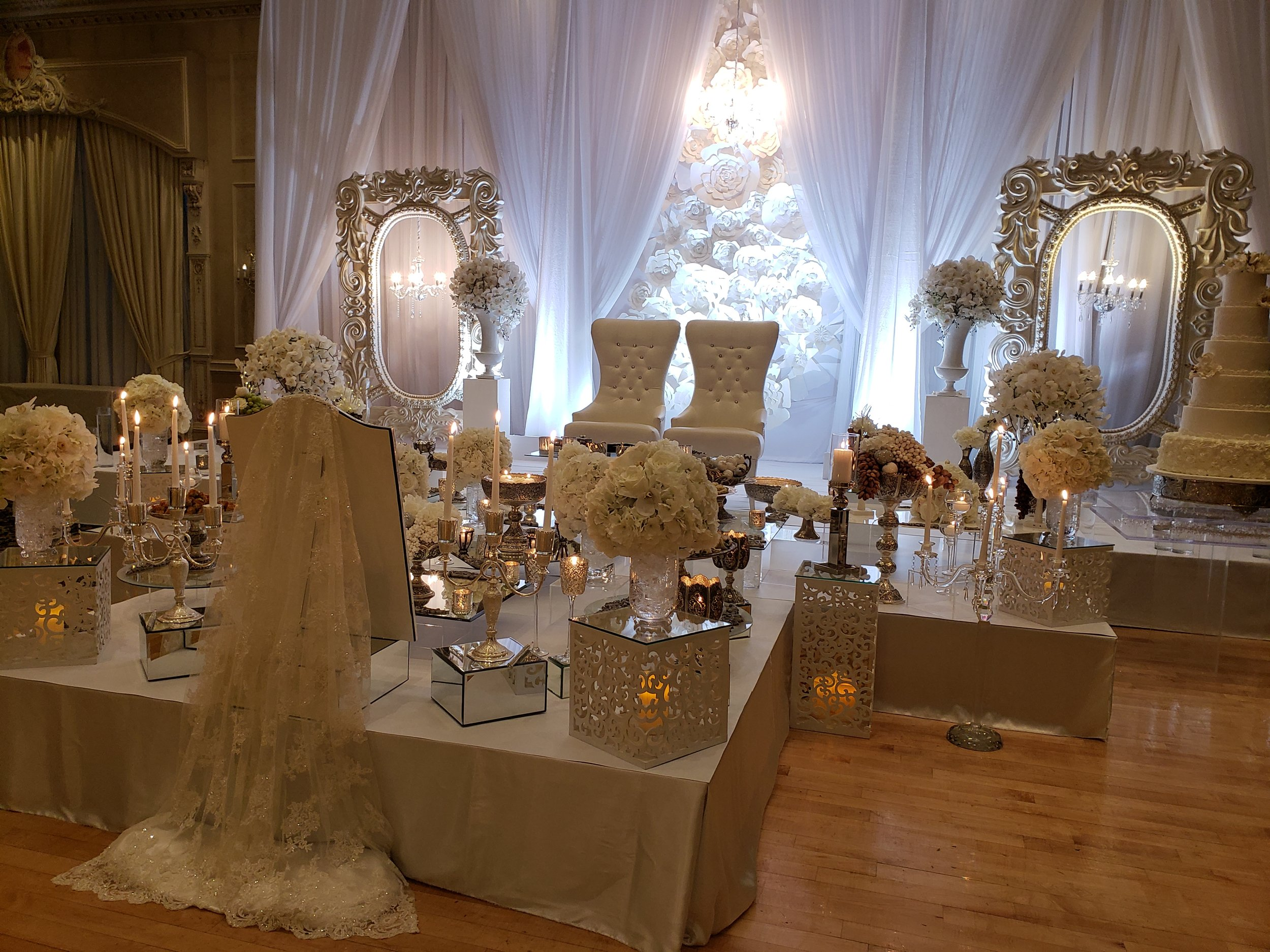 Silver Sofreh set up in Chateau Le Jardin-Woodbridge-Ontario