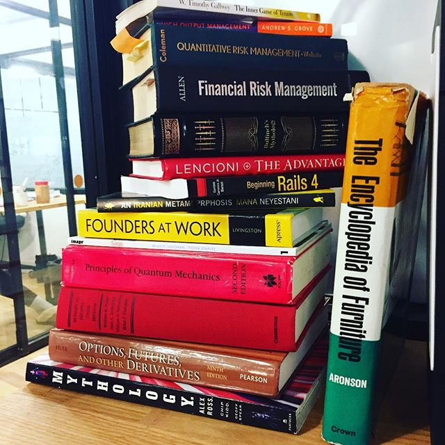 Stacks on stacks 📚 . . . #tgif #startup #startuplife #startupbusiness #amreading #weekendreading #tfwyouramazonorderarrives