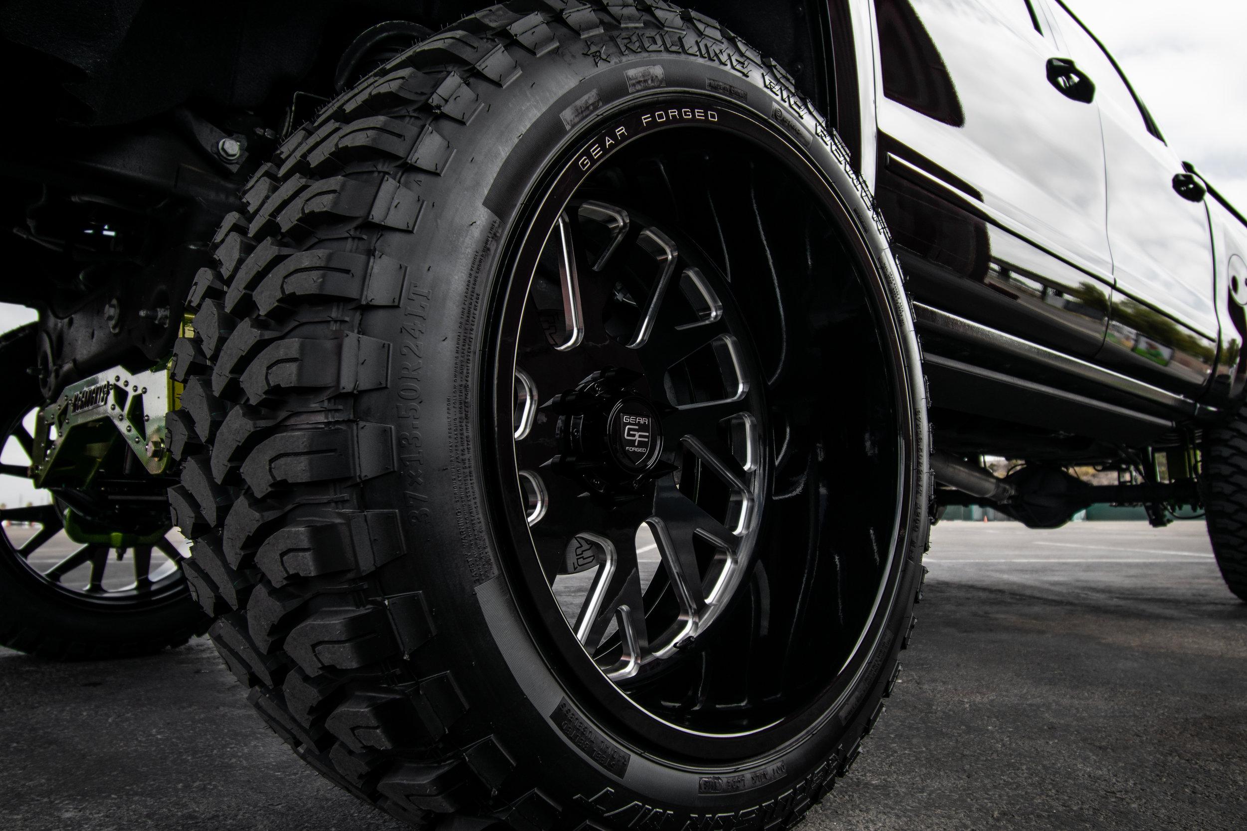 Chevy_Black_2500_F71-3.jpg