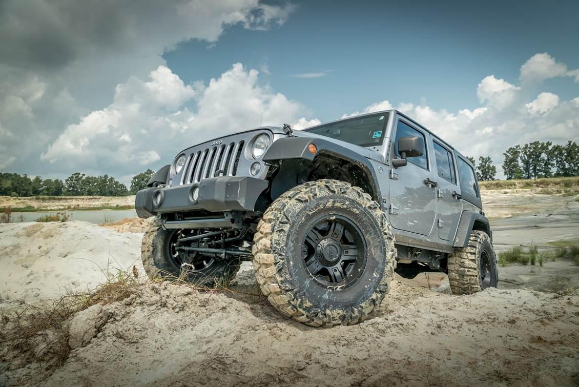 001-2014-jeep-wrangler-unlimited-jk-rough-country-suspension-lift-vertex-shocks-nitto-mud-grapplers.jpg