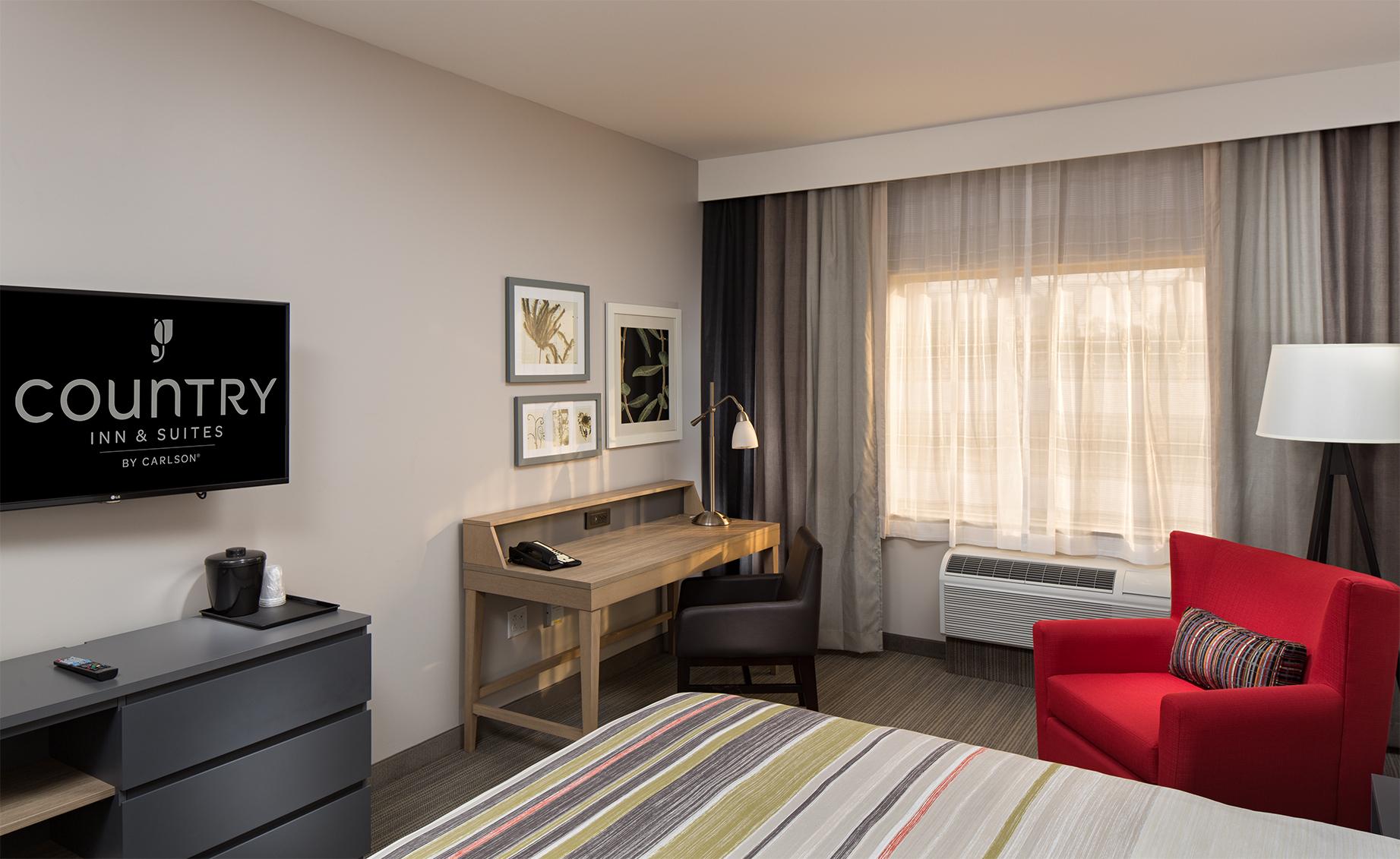 Room105desk.jpg