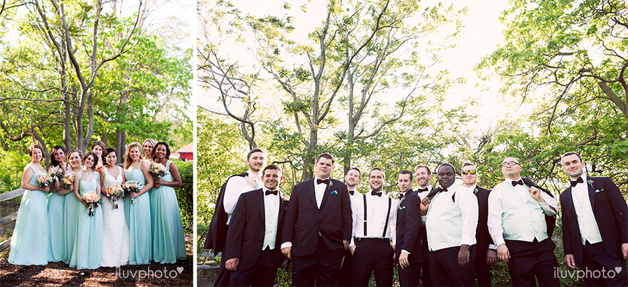 24_Brookfield_Zoo_wedding_Chicago_iluvphoto_photographer_candid_natural.jpg