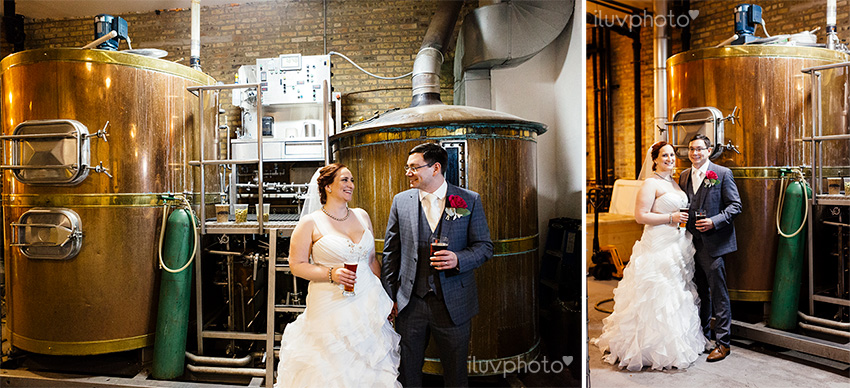 25_iluvphoto_chicago_wedding_downtown_revolution_Brewing.jpg