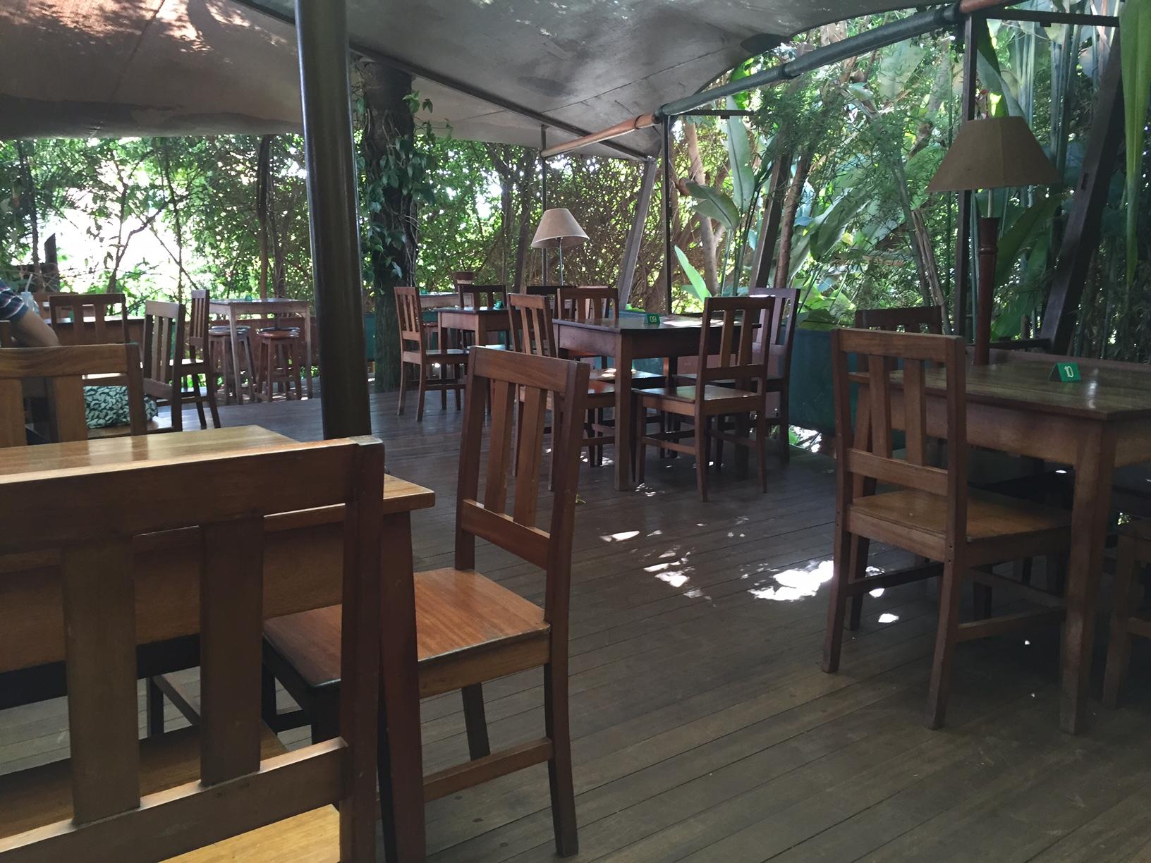 Endiro Café, apparently experiencing a moment of reprieve.