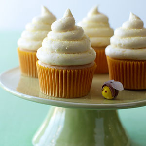 54ef8a5bb237b_-_lemon-honey-cupcakes-recipe-lg.jpg