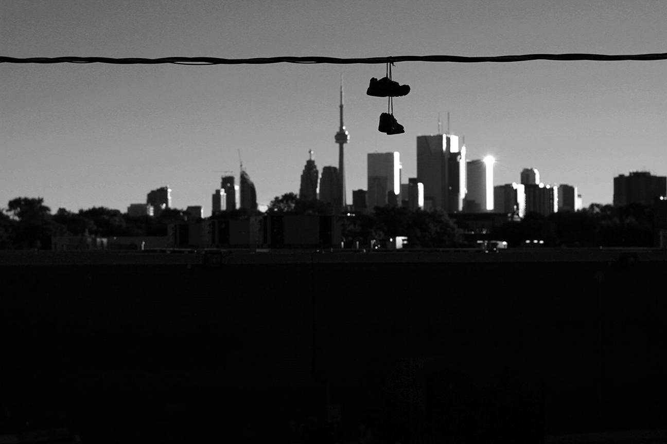 skylinebwmini.jpg