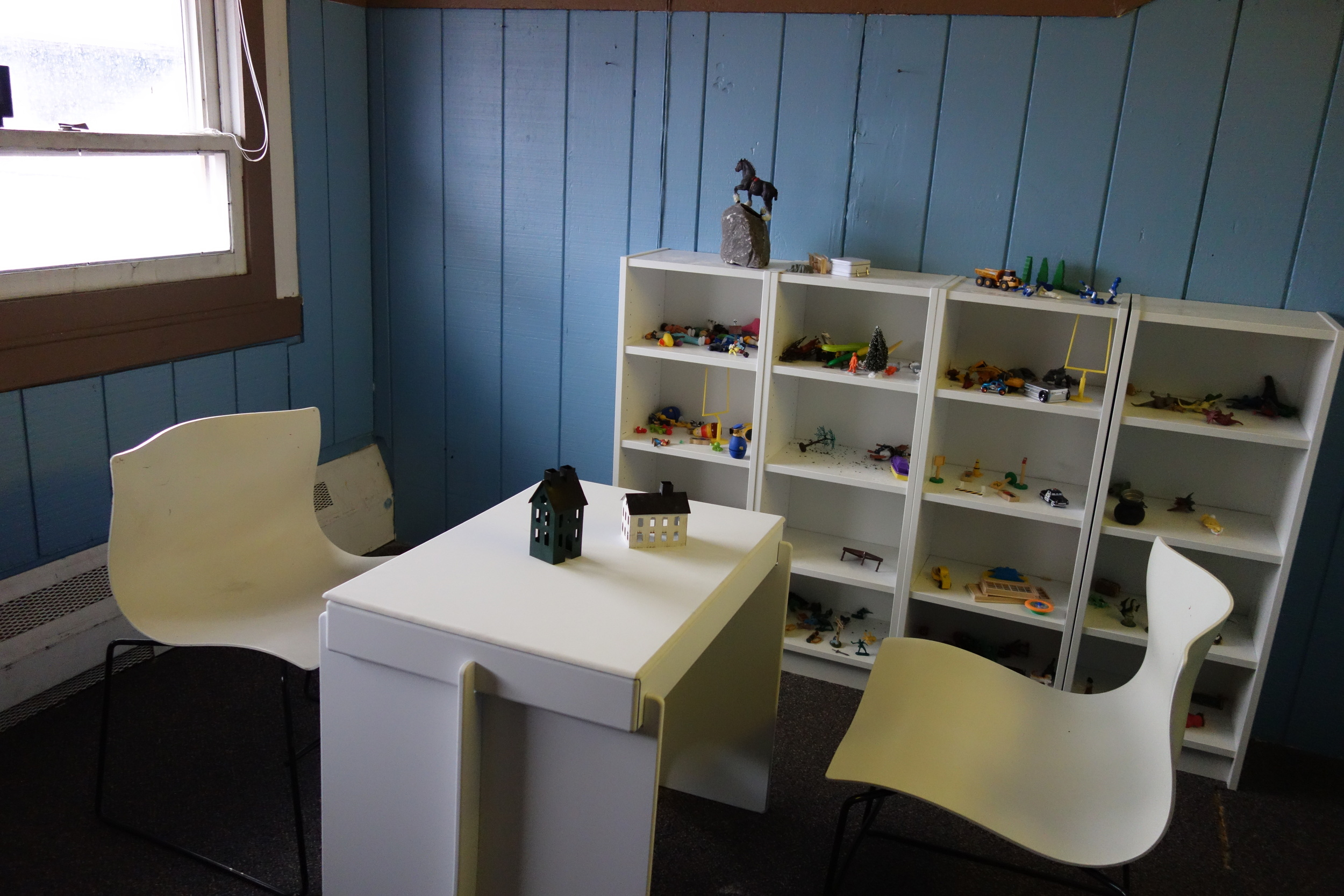 Special play therapy rooms are available for use by therapists.
