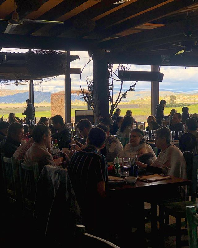 Lunch with a view😍 #fincaaltozano #valledeguadalupe #asadorcampestre #friyay