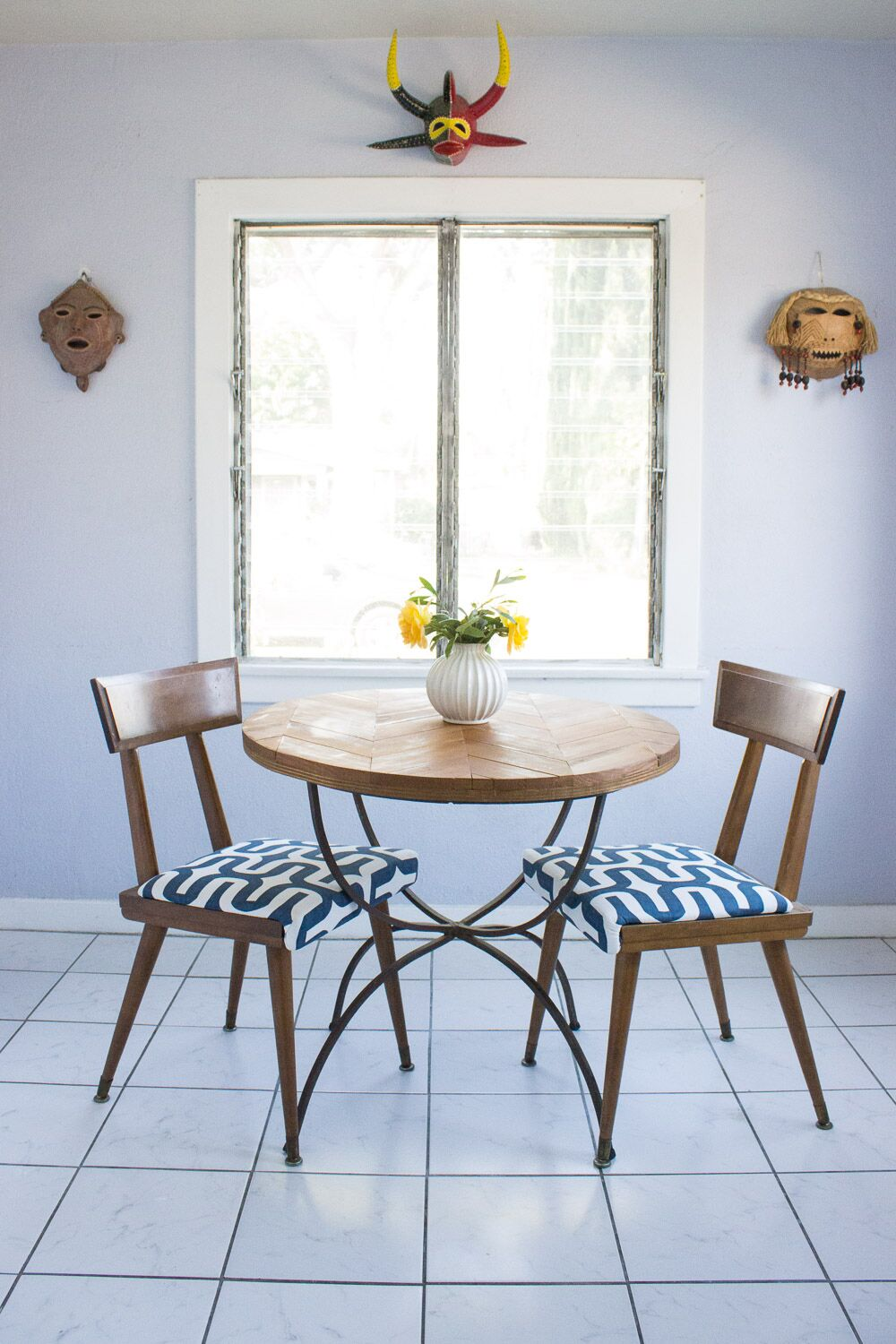staging breakfast nook.jpg