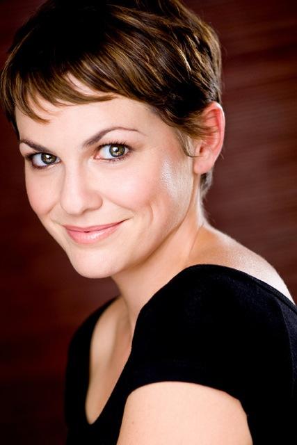 Larisa Oleynik as Chloe