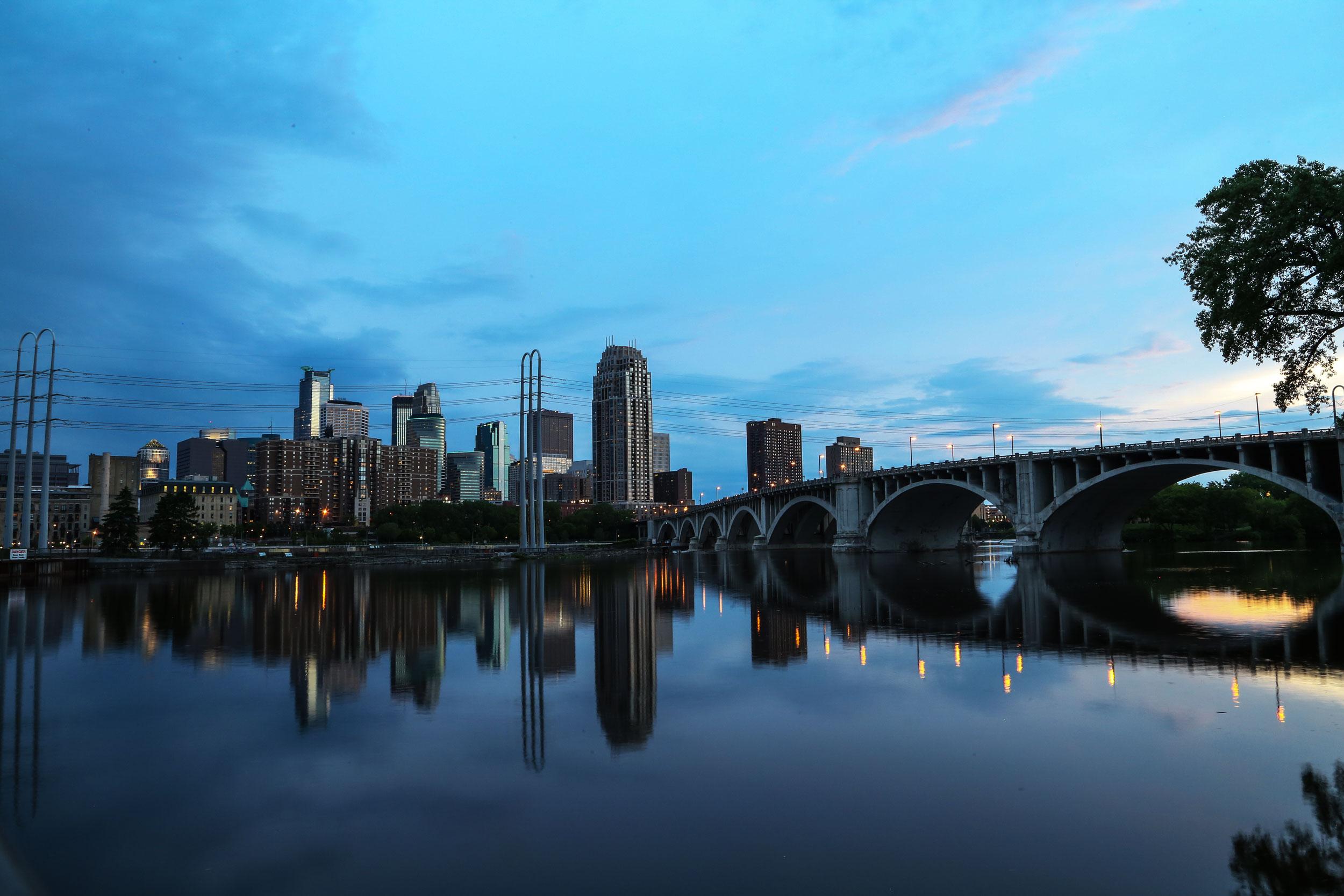 Urban-Mpls-river-dusk.jpg