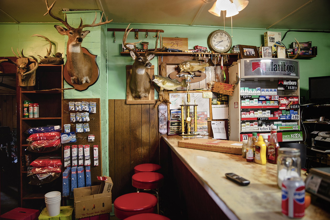 Betty's Inn, Groceries and General Merchandise